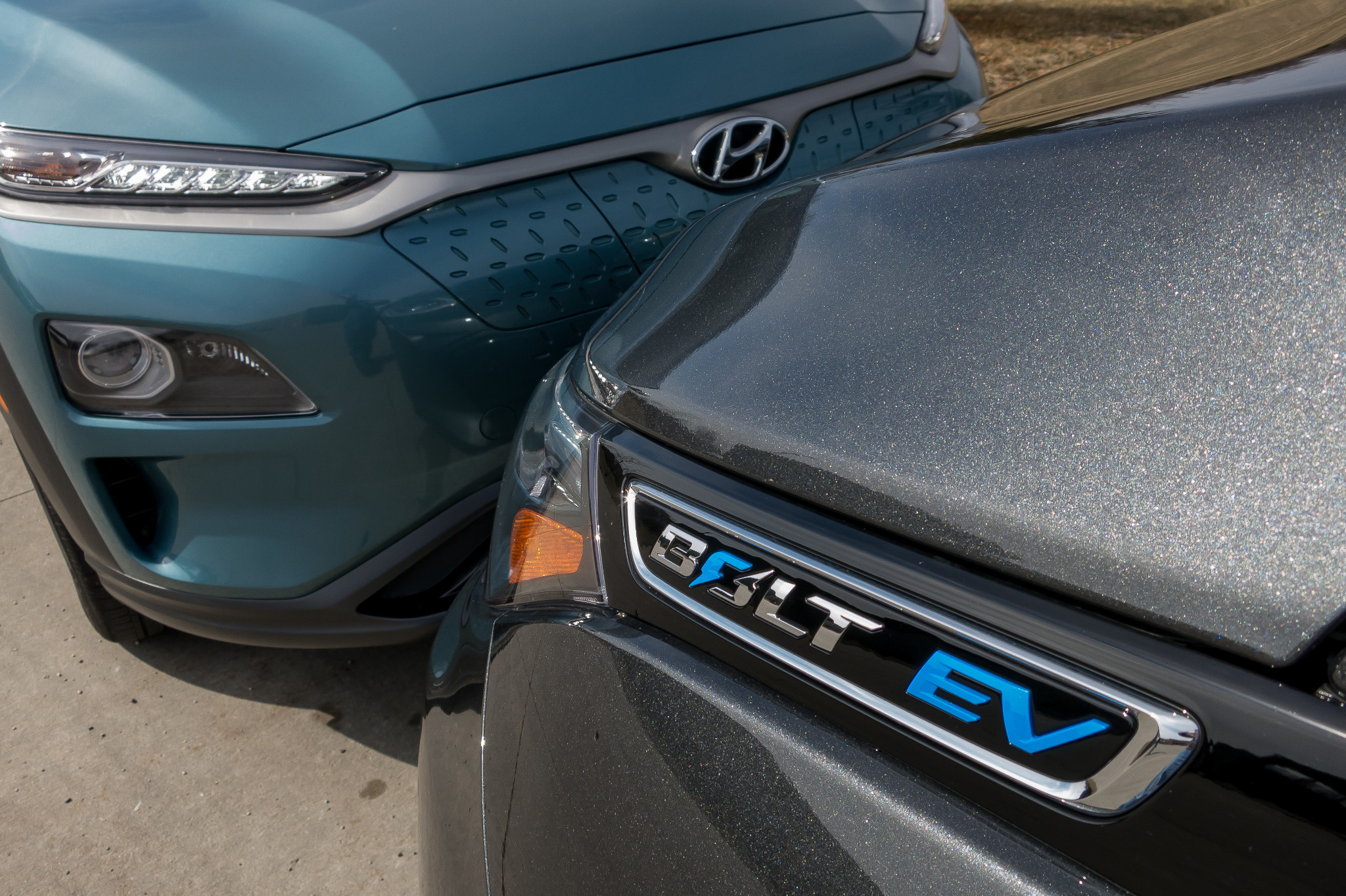 Hyundai Kona Electric Vs  Chevrolet Bolt EV: Which Is the Better