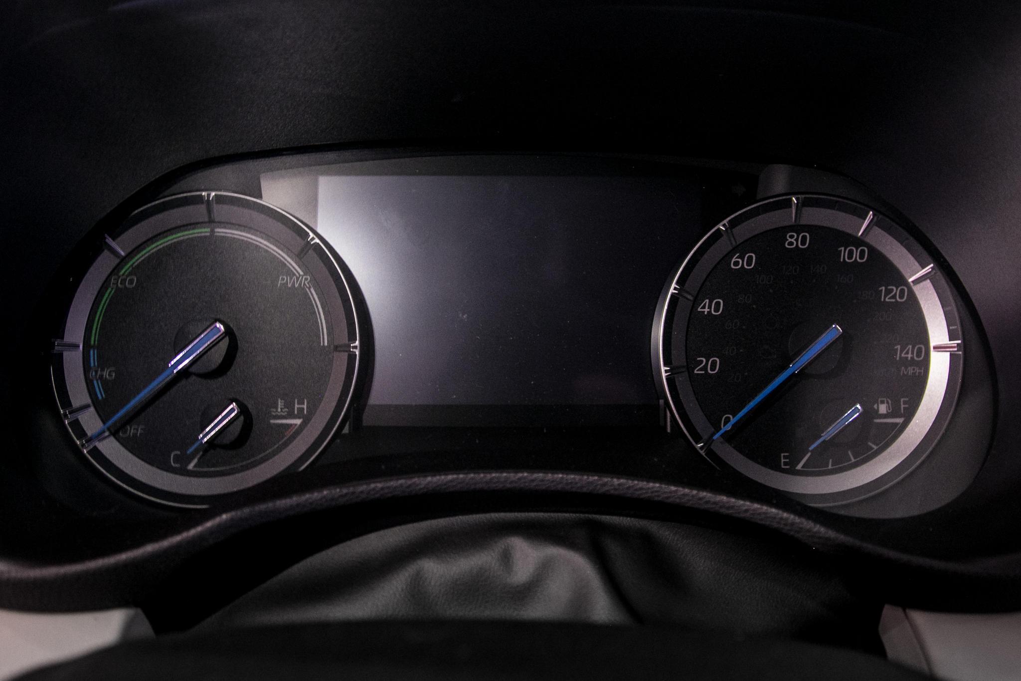 02-toyota-highlander-19-nyias-2020-front-row--instrument-panel--interior.jpg