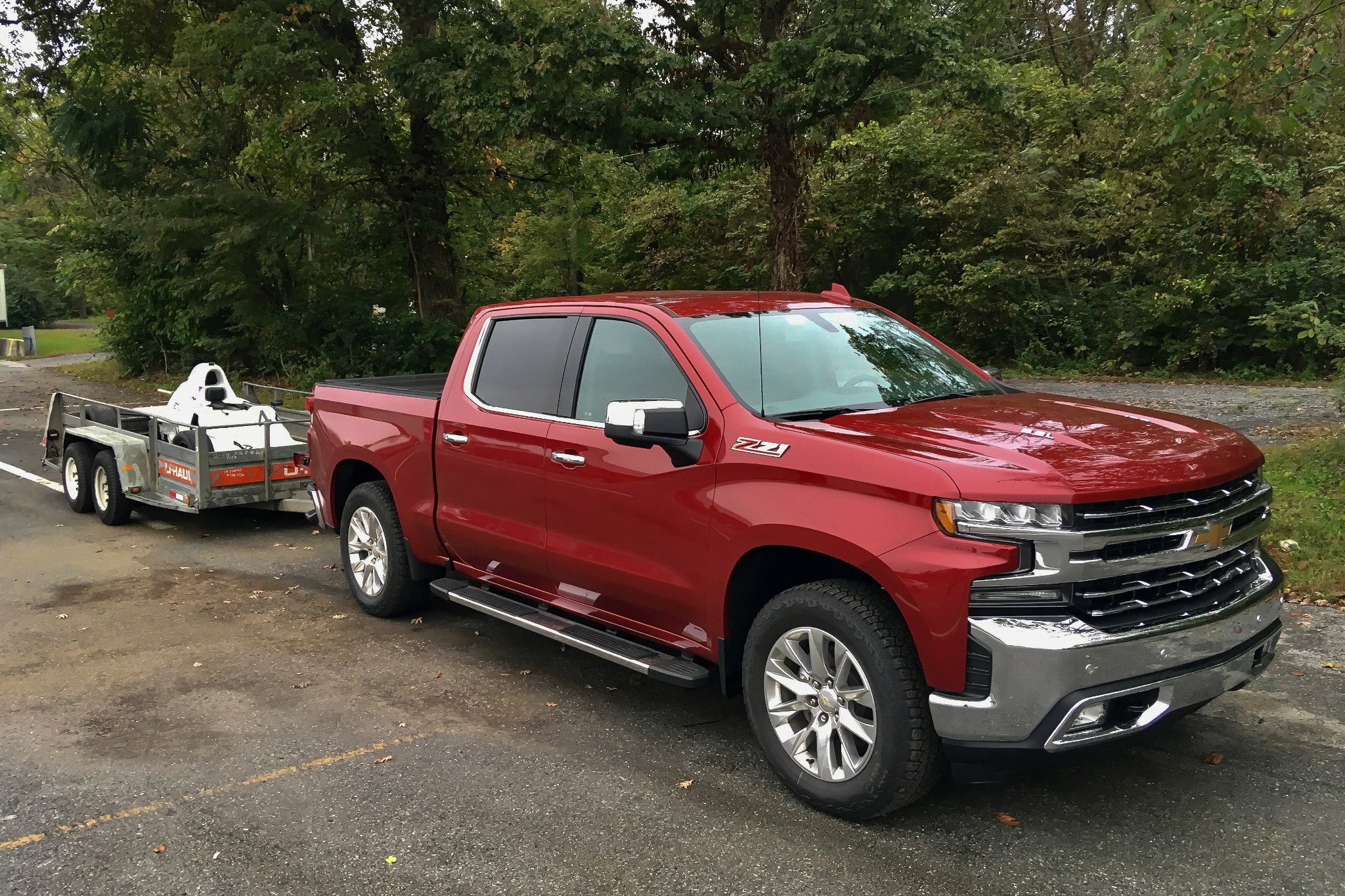 03-chevrolet-silverado-1500-2019-angle--exterior--front--red--towing.jpg