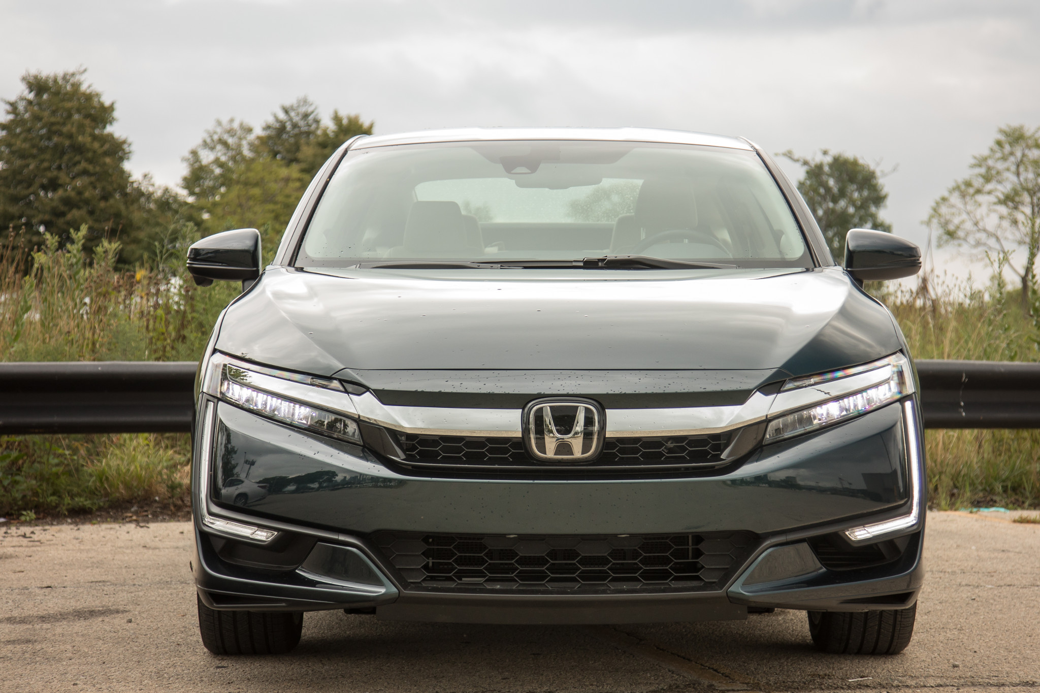 Honda Hybrid Cars >> 2019 Honda Clarity Plug In Hybrid 8 Things We Like And 4