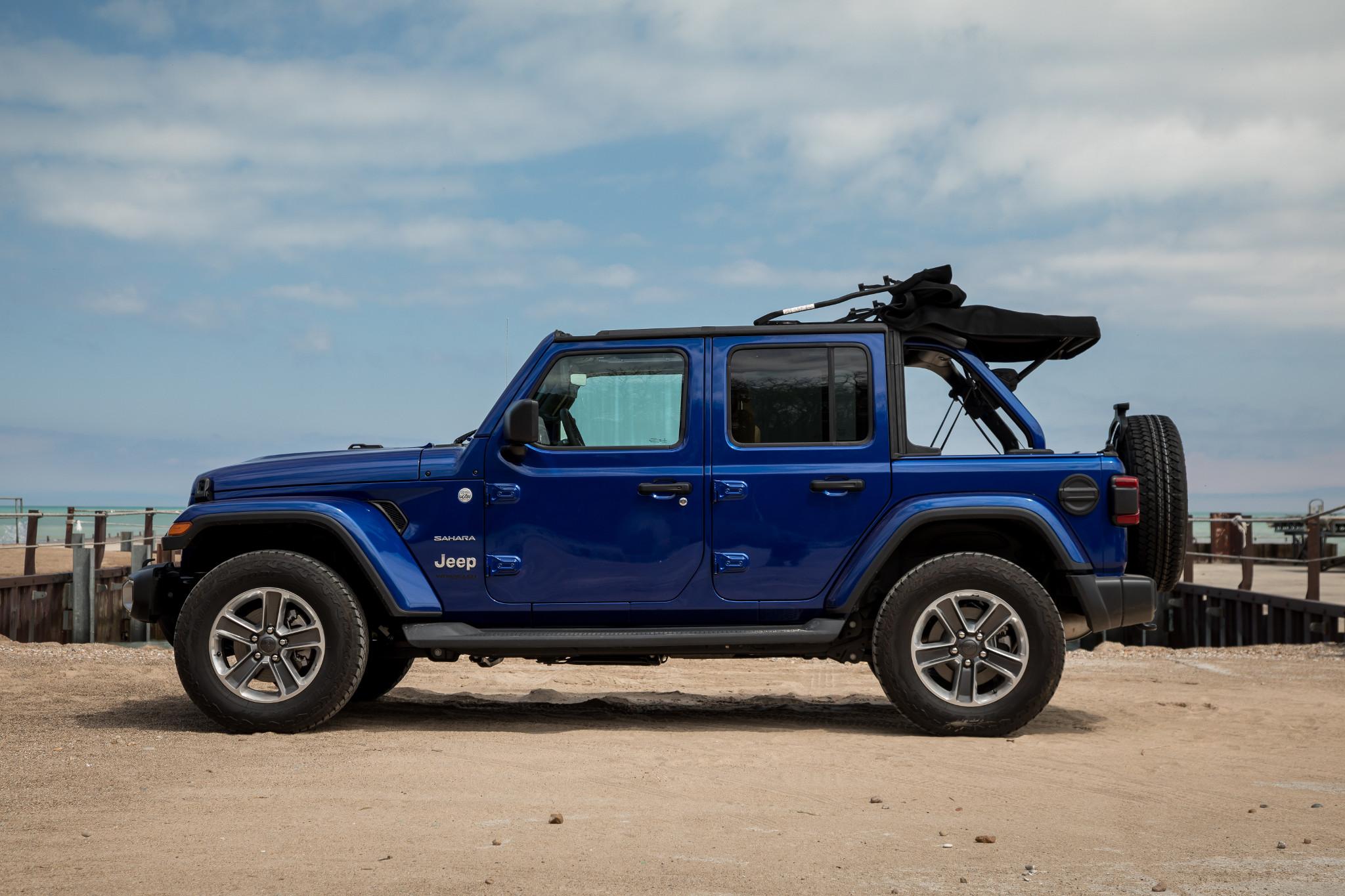 03-jeep-wrangler-2019-beach--blue--exterior--profile.jpg
