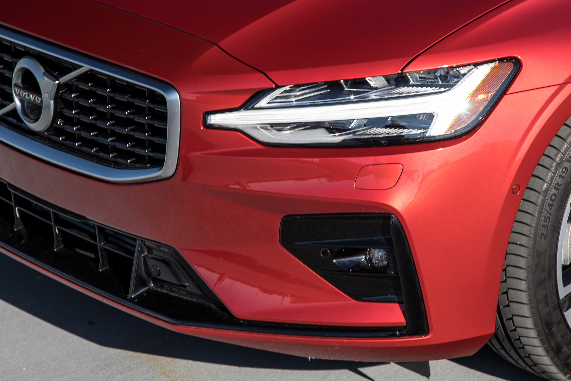Lightbulb Moment: 2020 Volvo S60 Shines in Safety Test, If You Get the Upgrade Headlights
