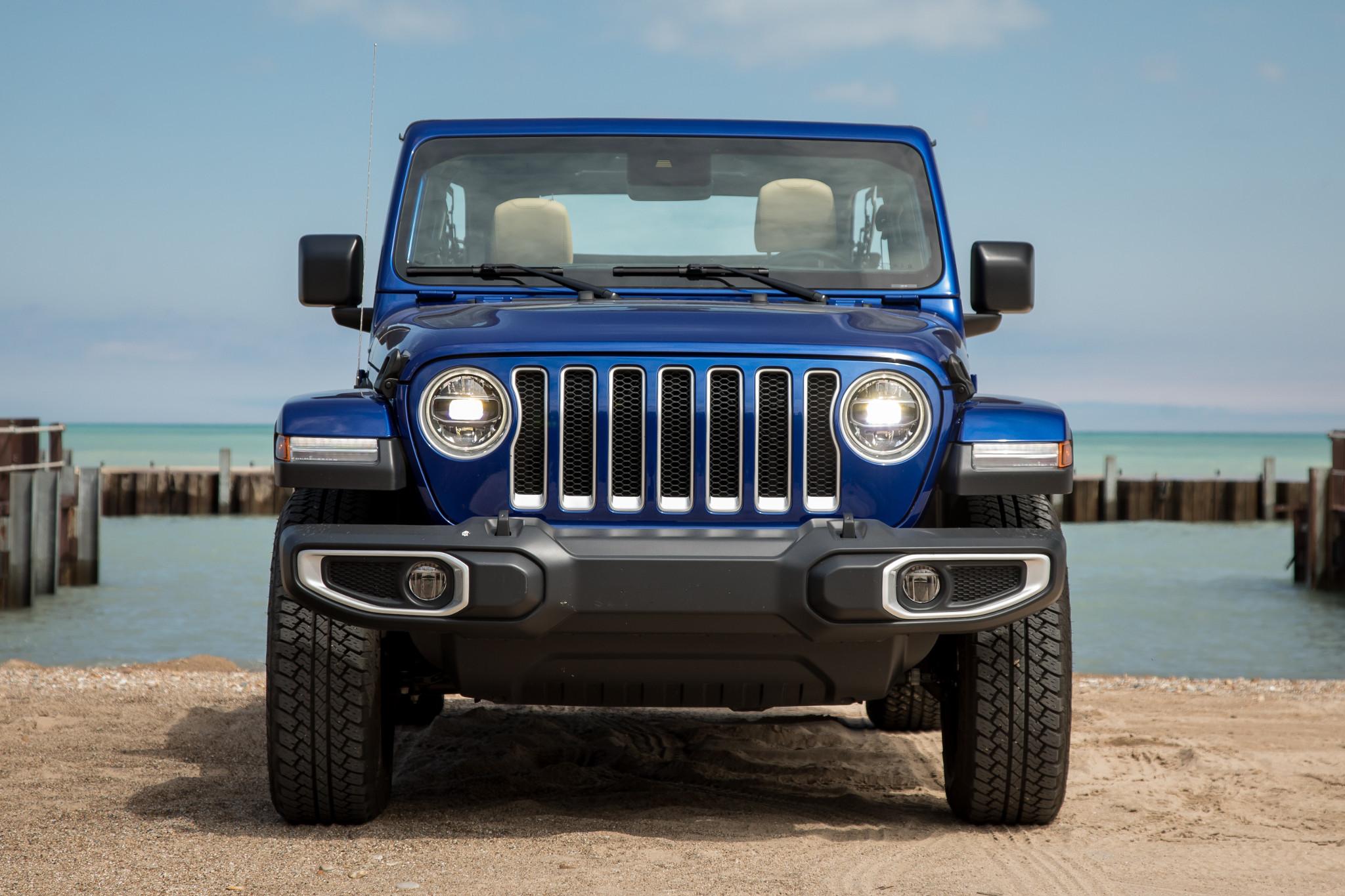 08-jeep-wrangler-2019-beach--blue--exterior--front.jpg