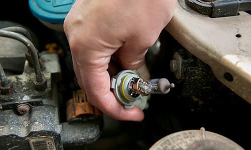 How Long Should a Car's Light Bulbs Last? | News | Cars com