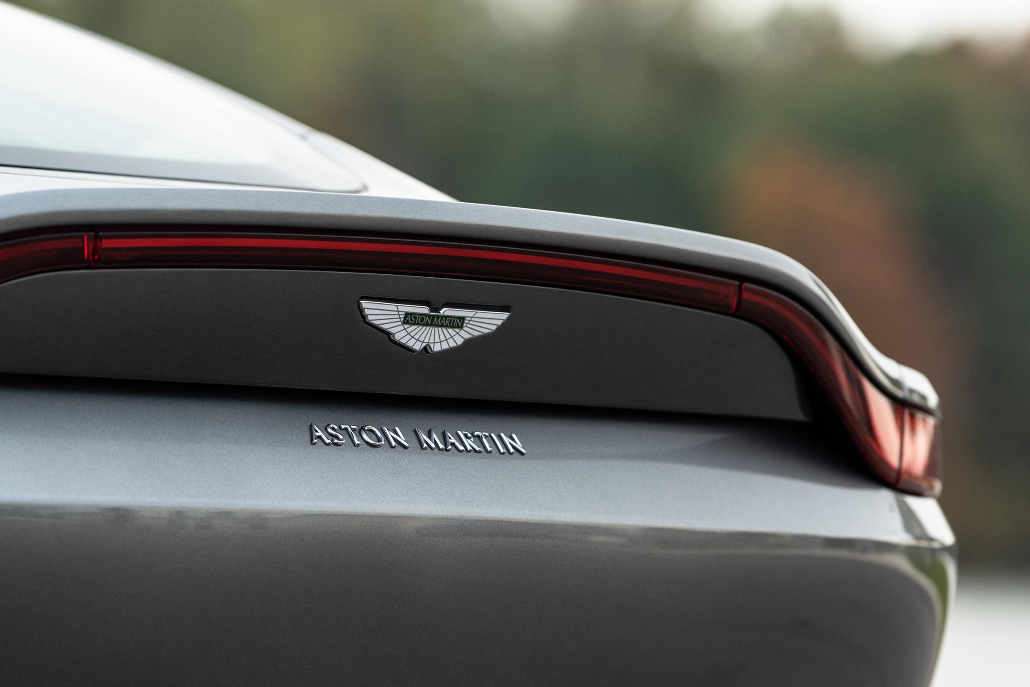 14-aston-martin-vantage-2018-badge--exterior--rear--silver.jpg
