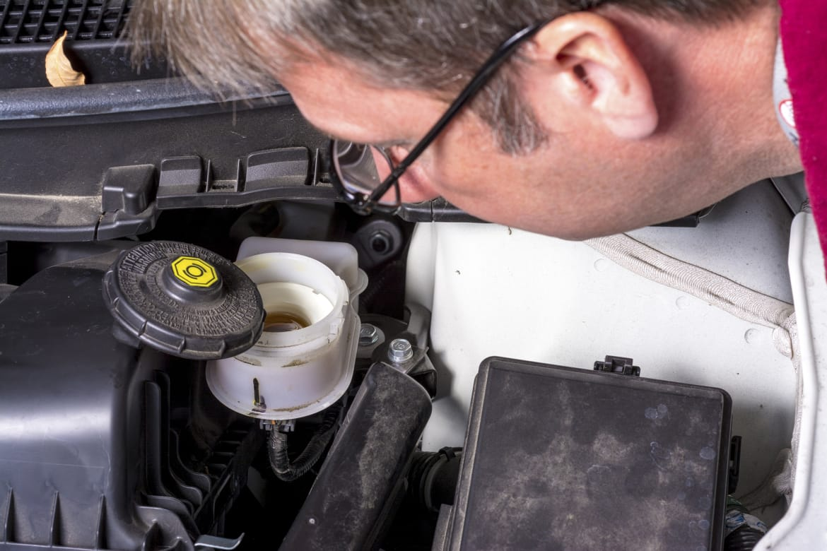 How To Change Brake Fluid >> How Often Do I Need To Change My Brake Fluid News Cars Com