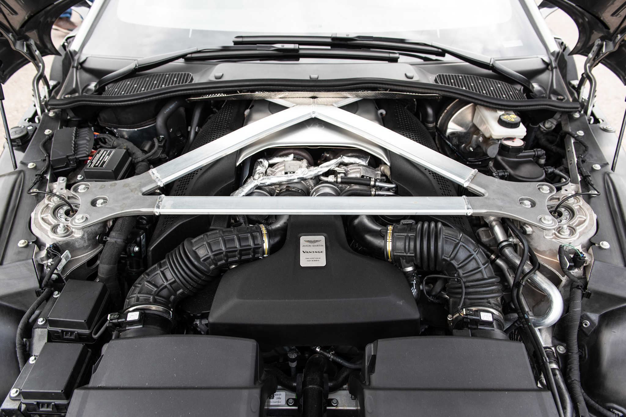 17-aston-martin-vantage-2018-engine--exterior--silver.jpg