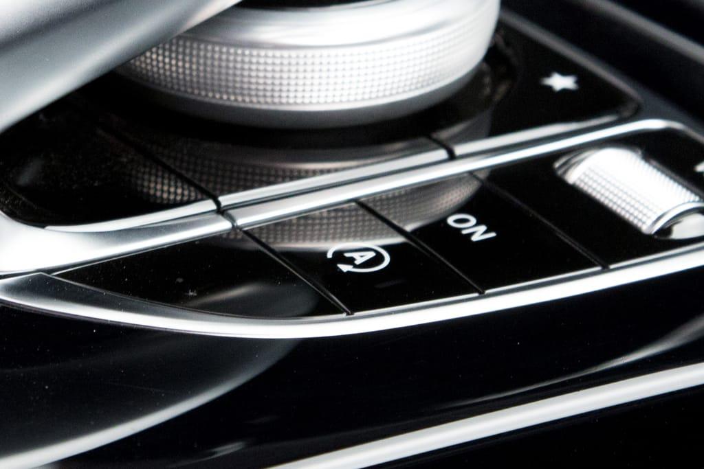 15_Mercedes-CClass_ES.jpg