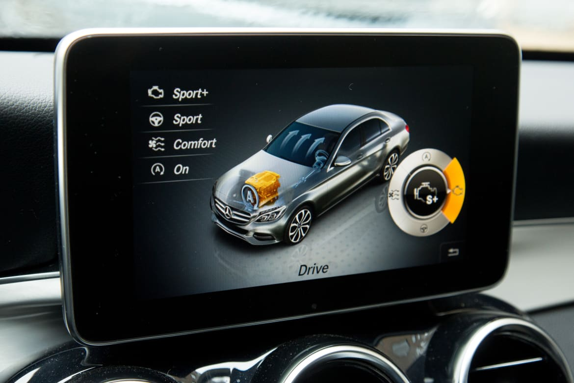Five Things to Know About Mercedes' Comand System | News | Cars com
