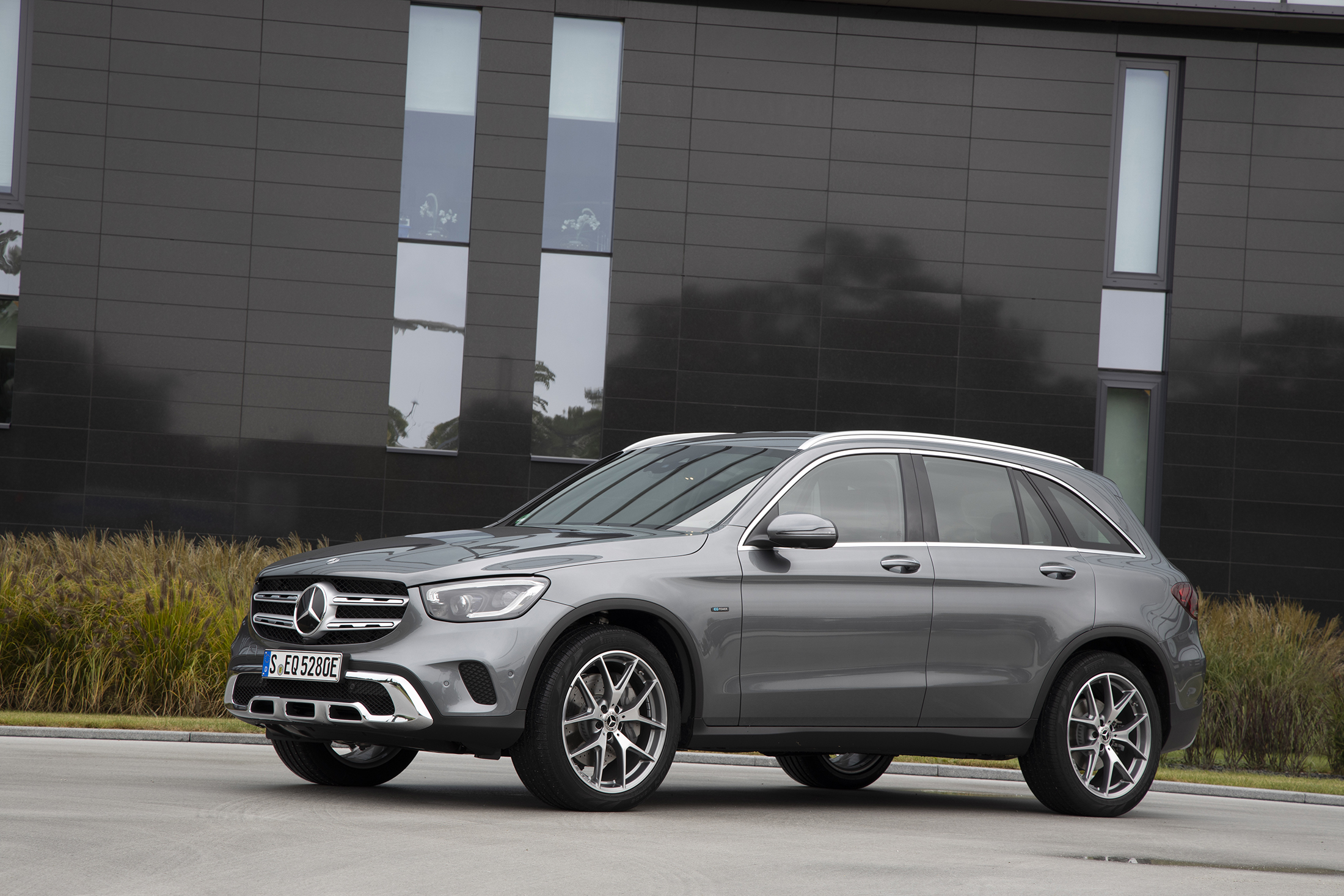Mb Glc 300 >> Expanding 2020 Mercedes Benz Glc Lineup Adds Updated Plug In