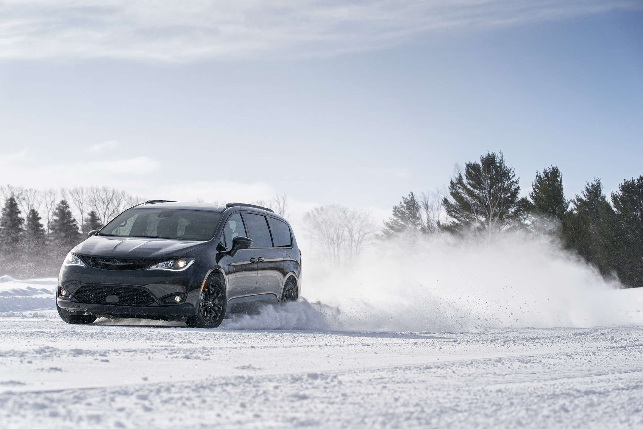 2020 Chrysler Pacifica Brings Buyers Taste of 2021 With AWD Launch Edition