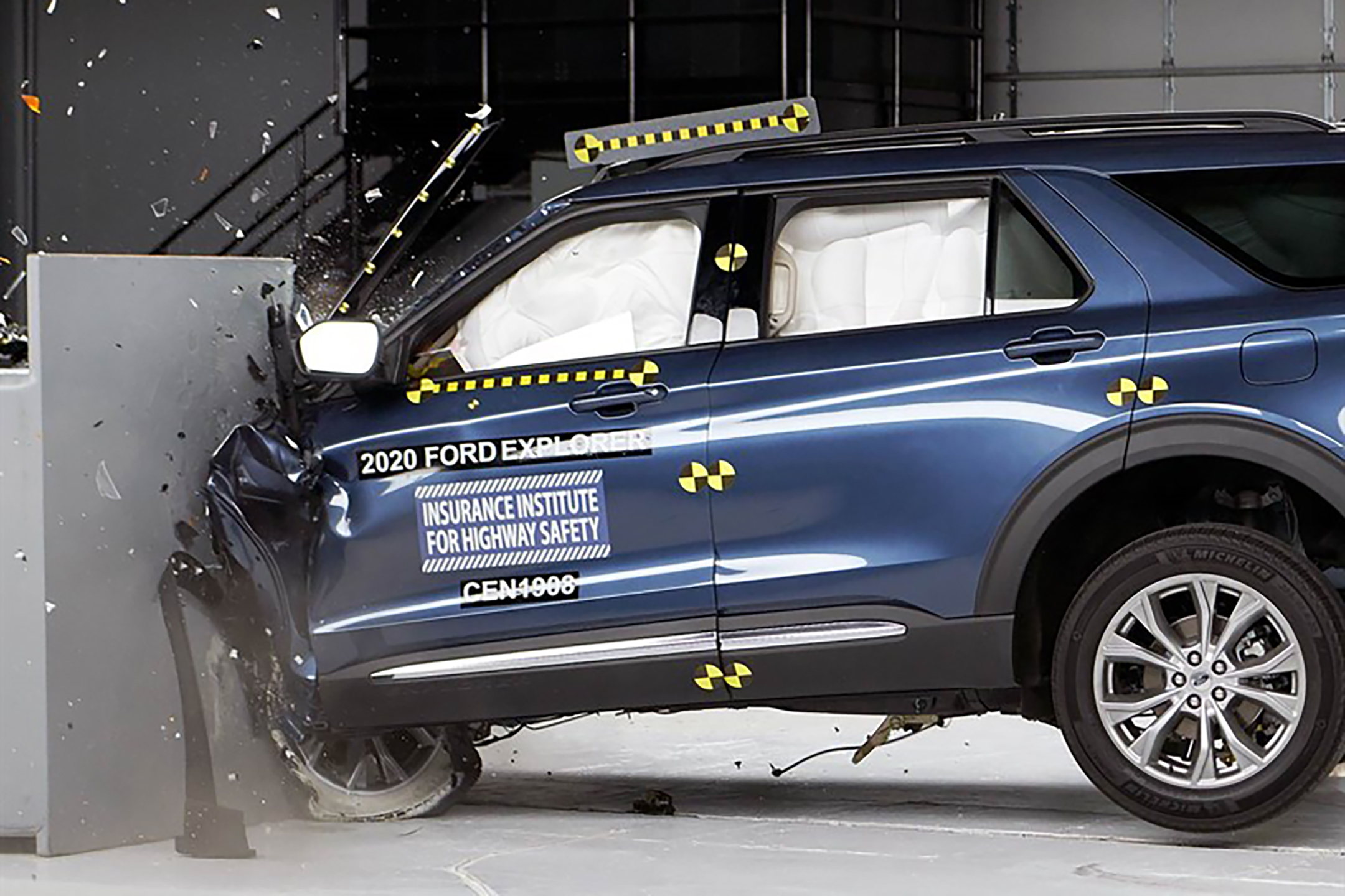 2020 Ford Explorer and Lincoln Aviator Crash Out of Crash Tests