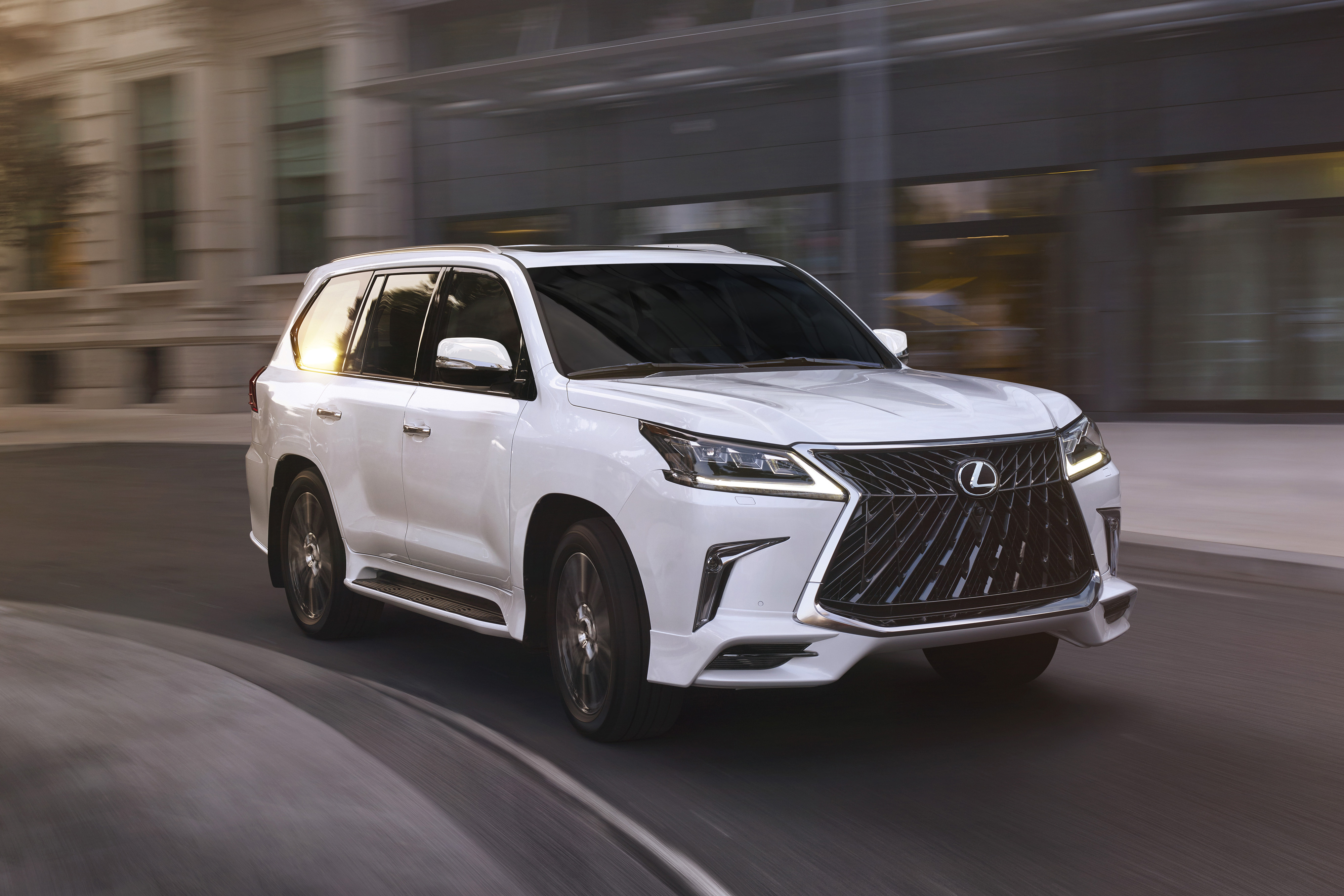 2020 Lexus GX Redesign, Release Date And Price >> 4 Ways To Sport That Luxury Life With The 2020 Lexus Lx 570