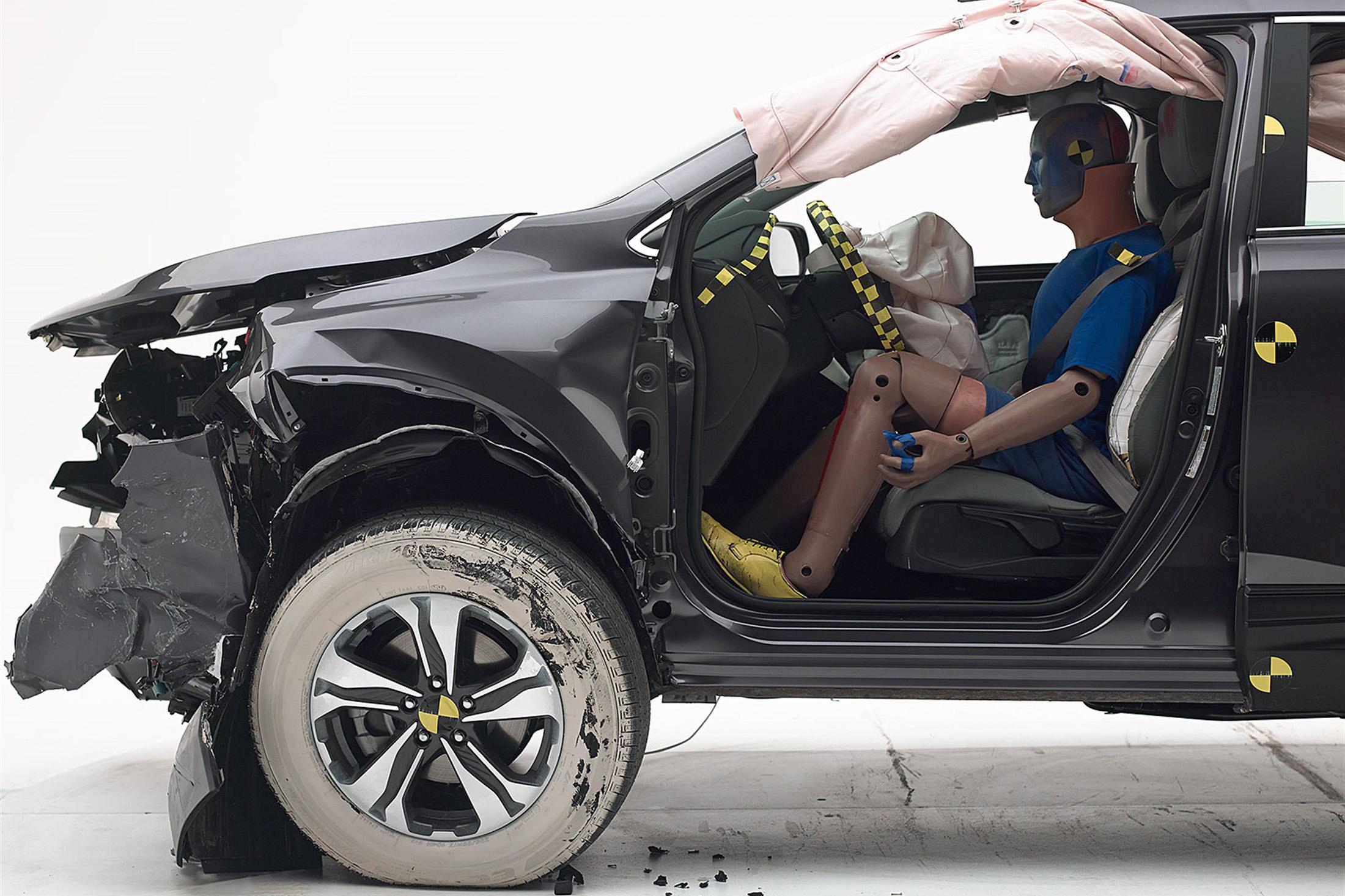 2020 Honda CR-V Hybrid Is a Safe Choice for Eco-Friendly Families