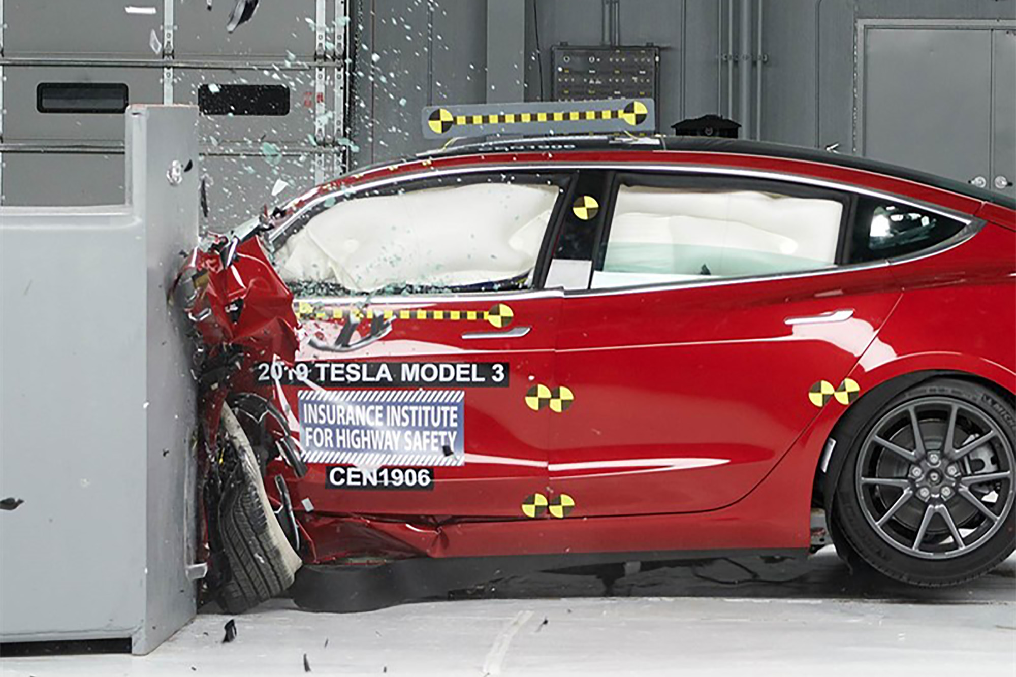 Tesla Model 3 Lights Up Crash Safety Testing With Standard Equipment