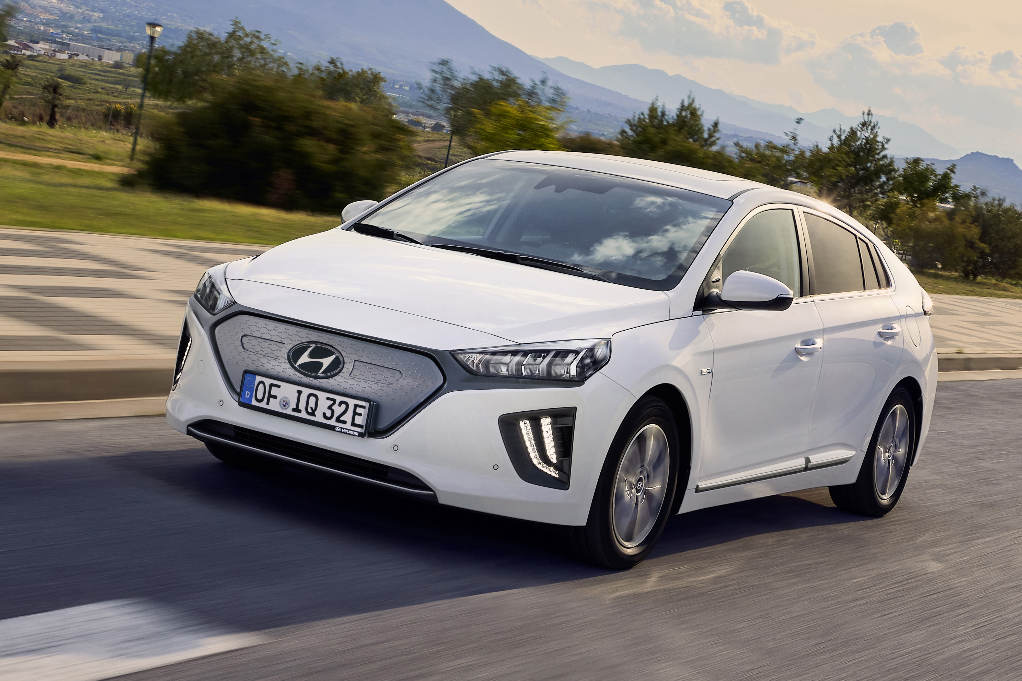 2020 Hyundai Ioniq Electrified Sedans Get Juiced for L.A. Auto Show