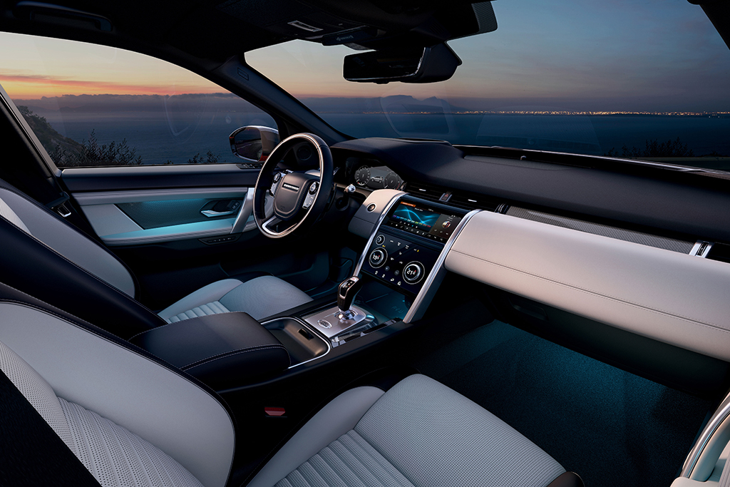 2020-Land-Rover-Discovery-Sport-Interior_OEM