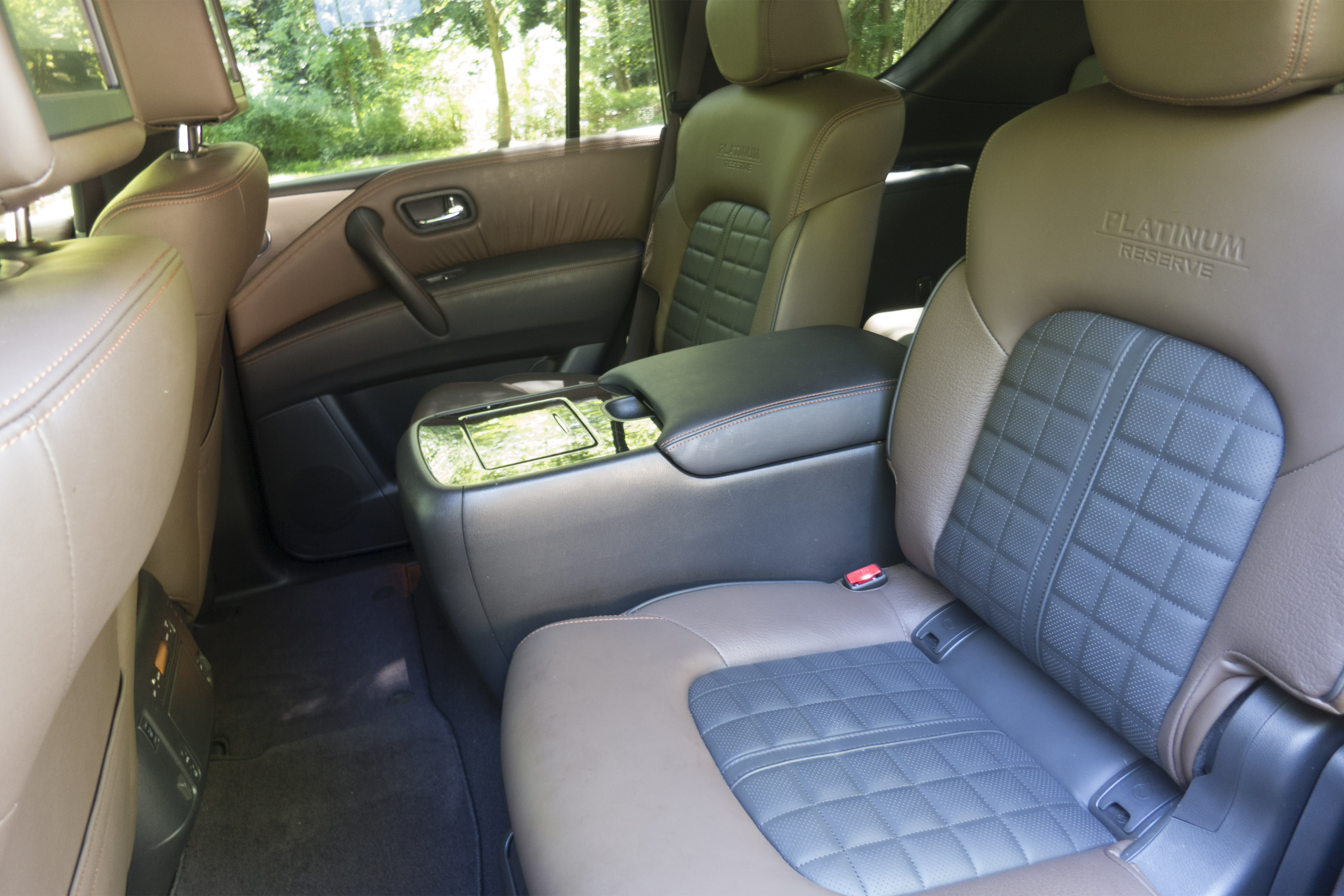 Cars With Third Row Seating >> Which 2019 Three Row Suvs Offer Captain S Chairs News Cars Com