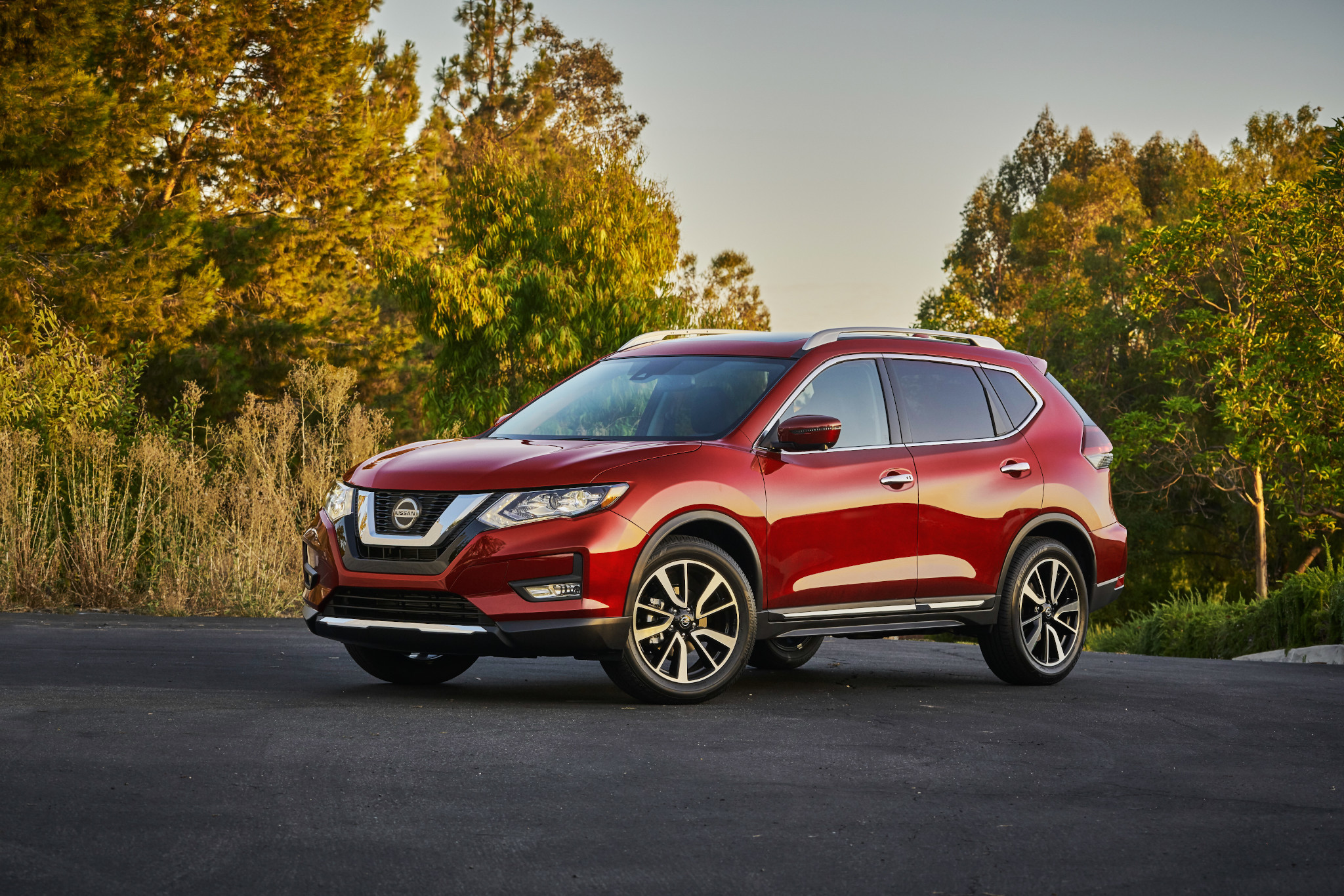 redesigned 2021 nissan rogue release date still on