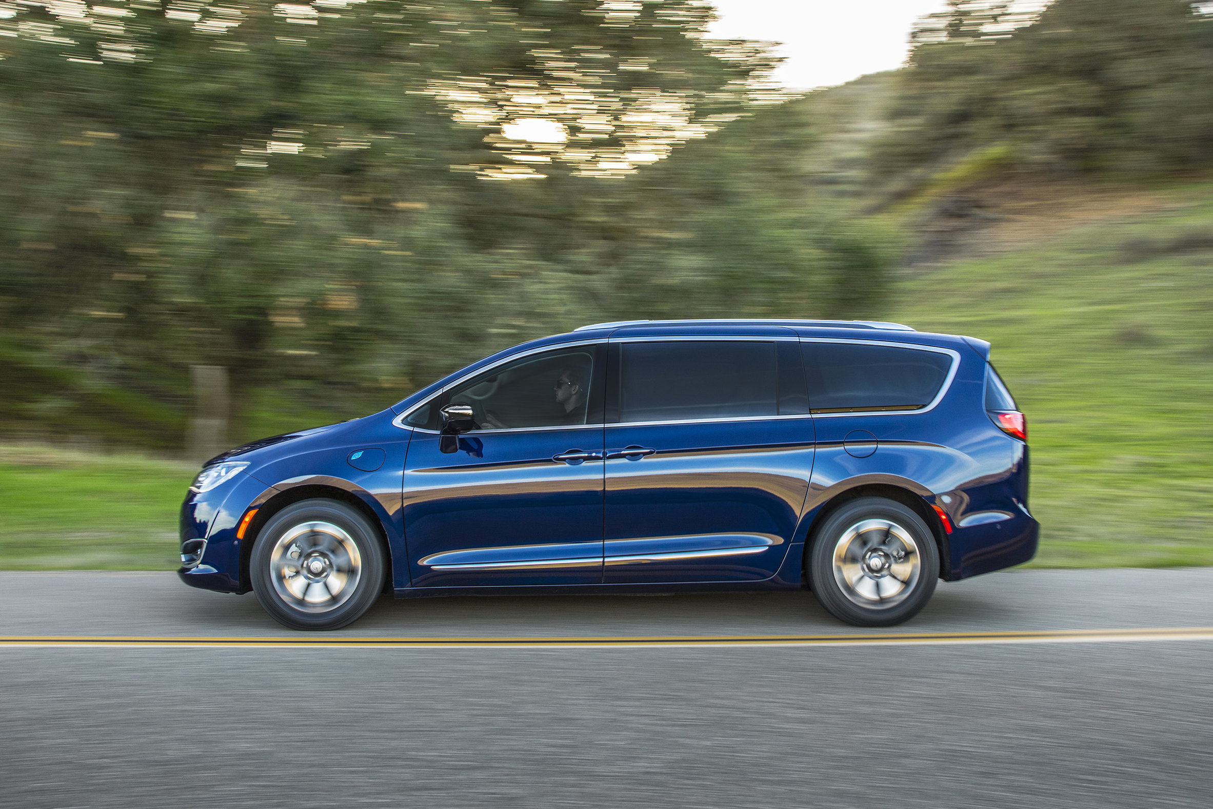 Shopping for a Chrysler Pacifica Plug-In Hybrid? Research At-Home Charging