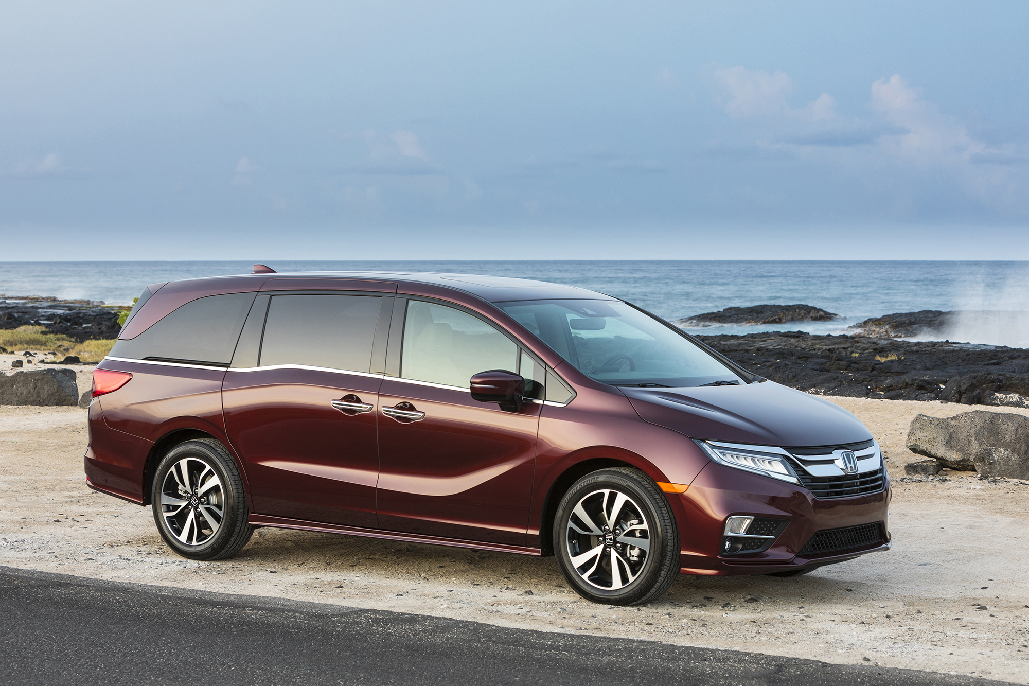 2020 Honda Odyssey Celebrates 25th Birthday With Transmission Upgrade (and Hopefully Cake)