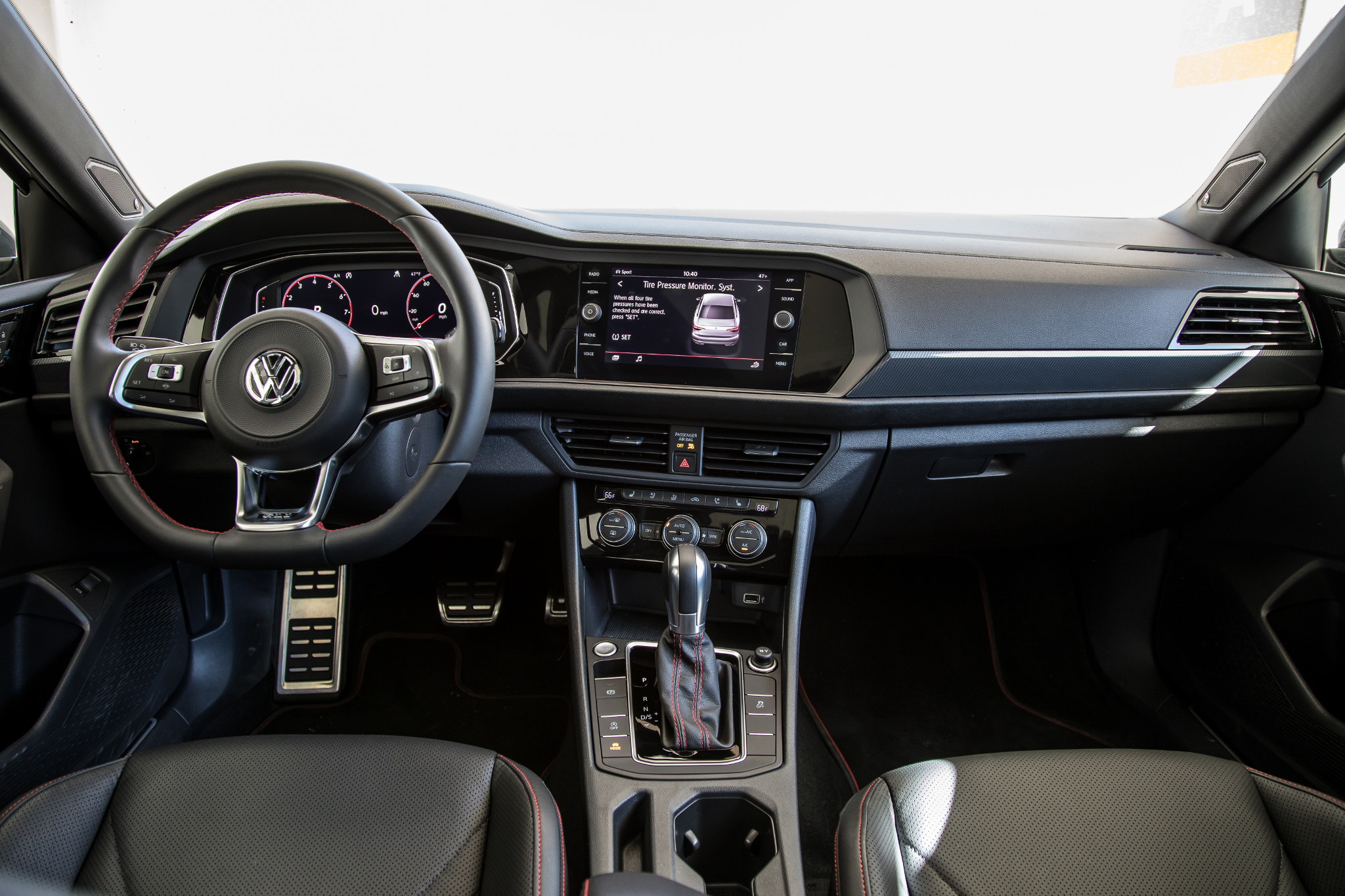 Should You Buy A 2019 Volkswagen Jetta Gli Or Golf Gti