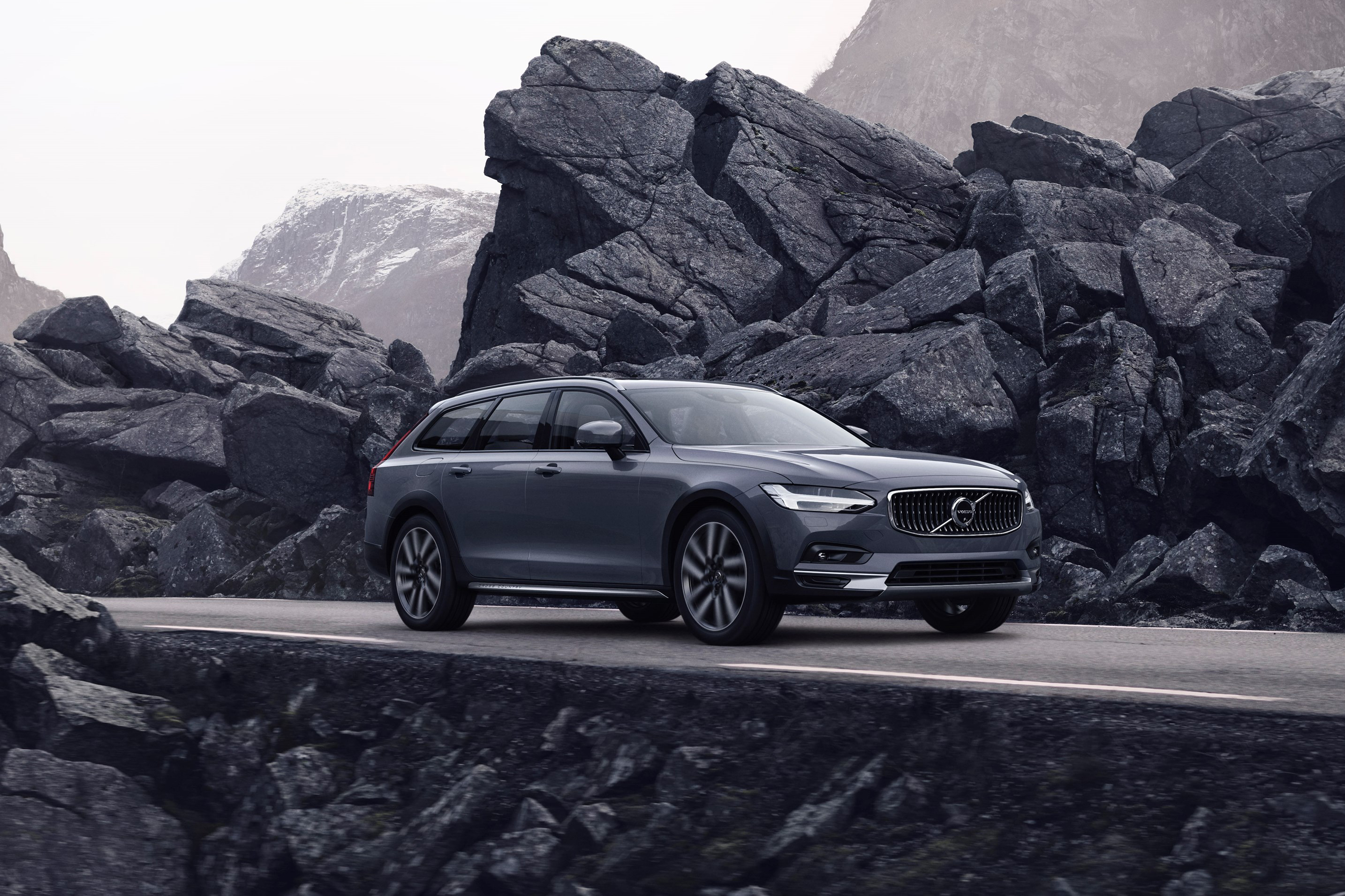Volvo Updates S90, V90 With New Look, Mild Hybrid
