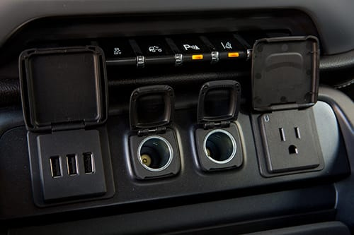 Chevrolet, GMC Pack USB Ports Into 2014 Pickups | News | Cars com