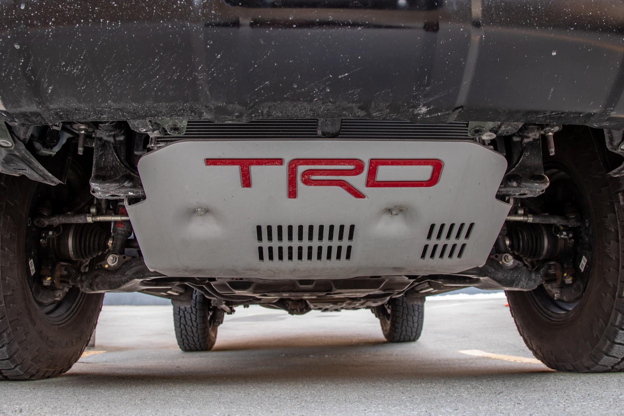 4runner-trd-pro-exterior--green--skid-plate--undercarriage-33.jpg