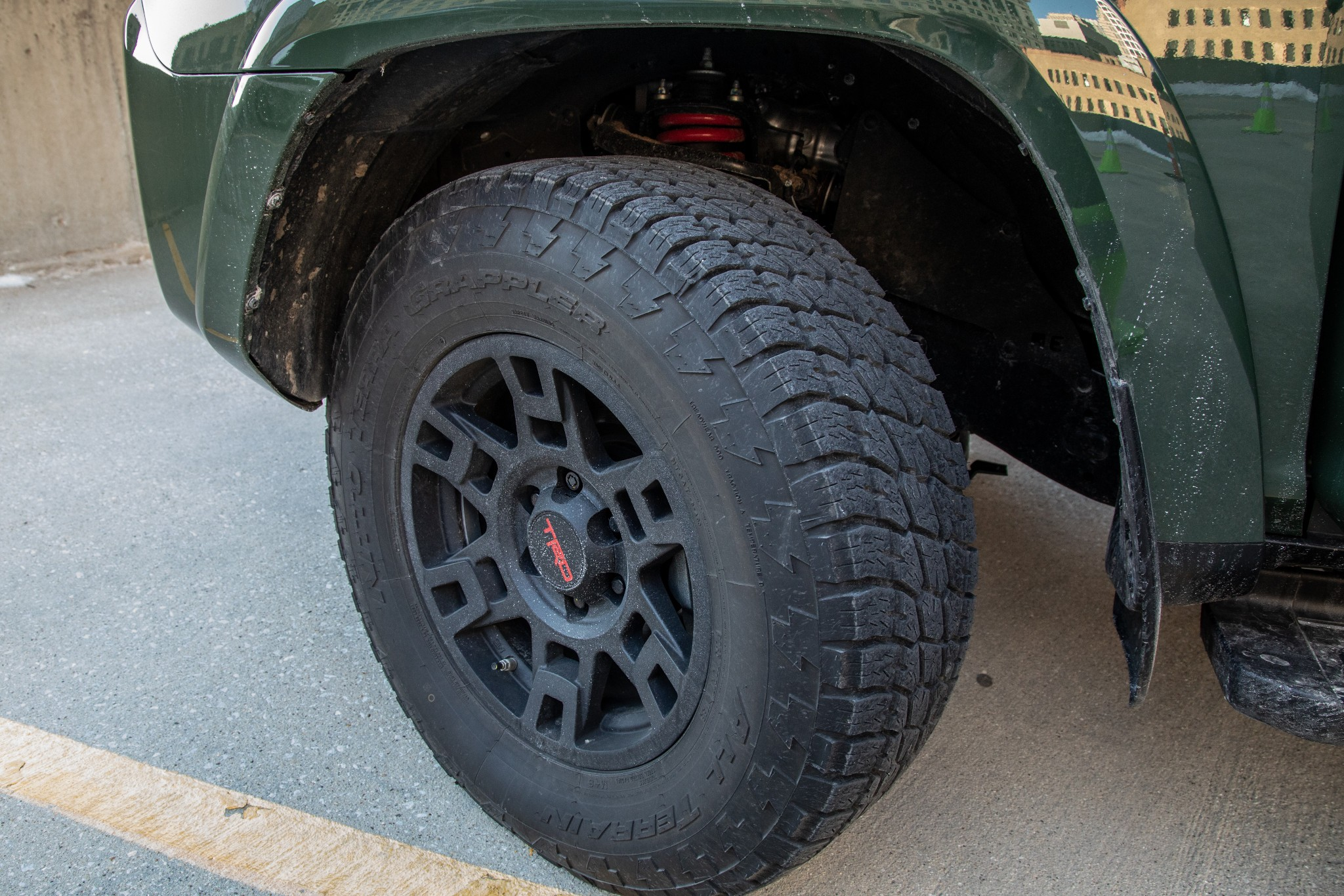 4runner-trd-pro-exterior--green--wheel-31.jpg