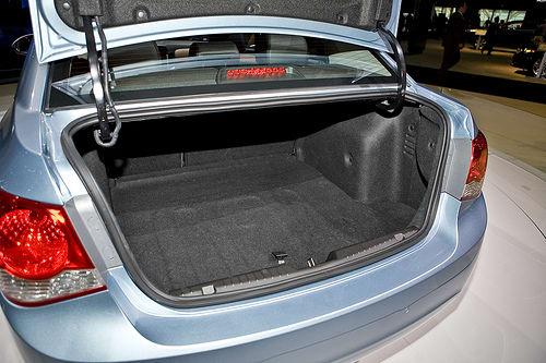 2011 Chevy Cruze: Up Close | News | Cars com