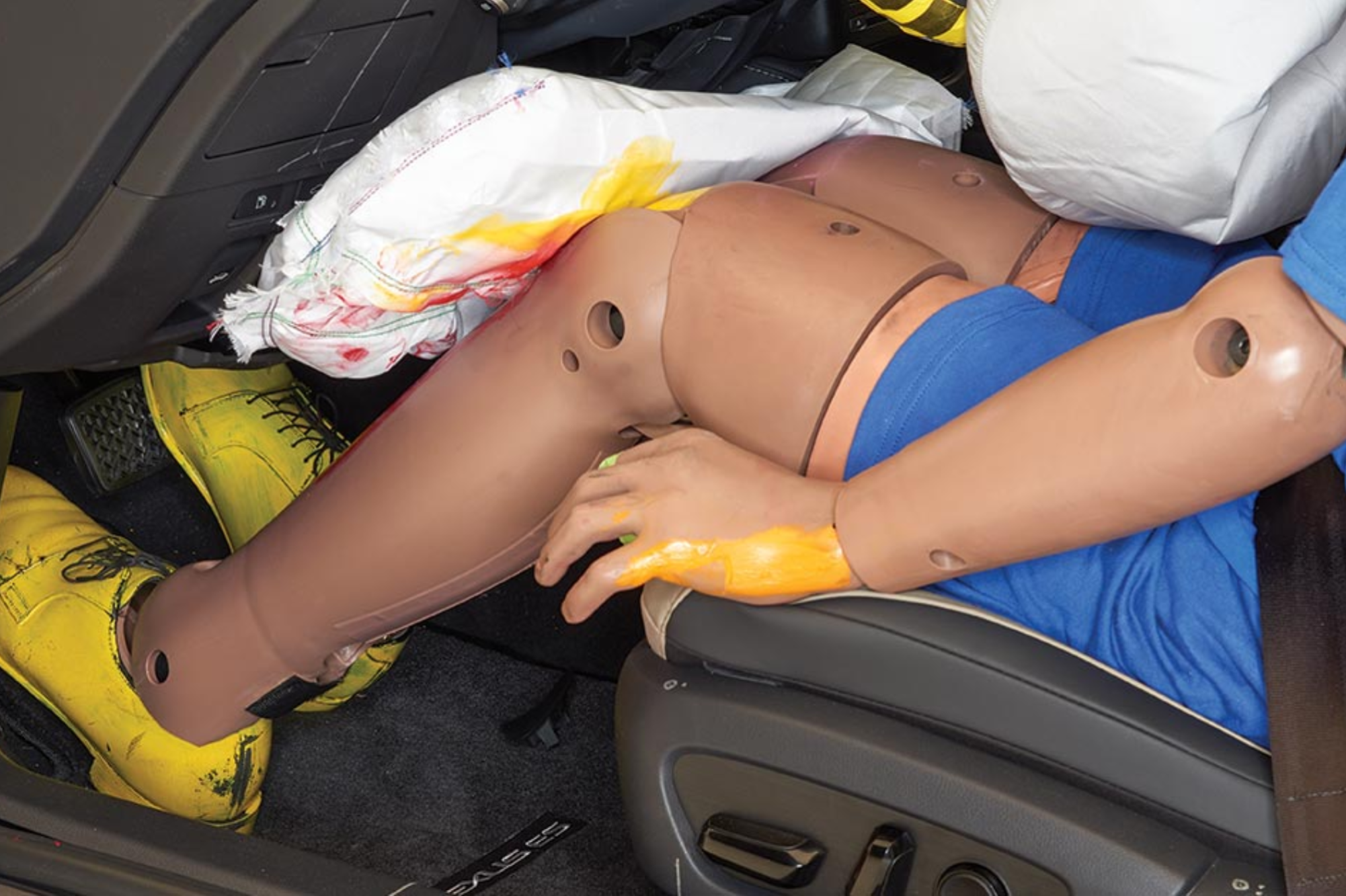 Needless Knee Airbags May Cause More Harm Than Good, Study Says