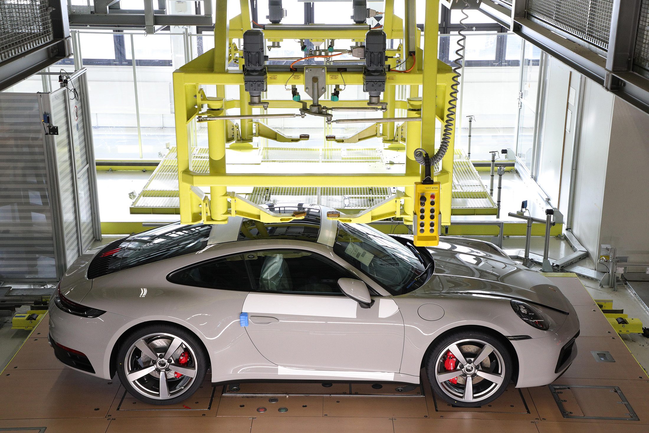 Stalk Car? Porsche 911 Buyers Can Track Their Dream Car's Every Move