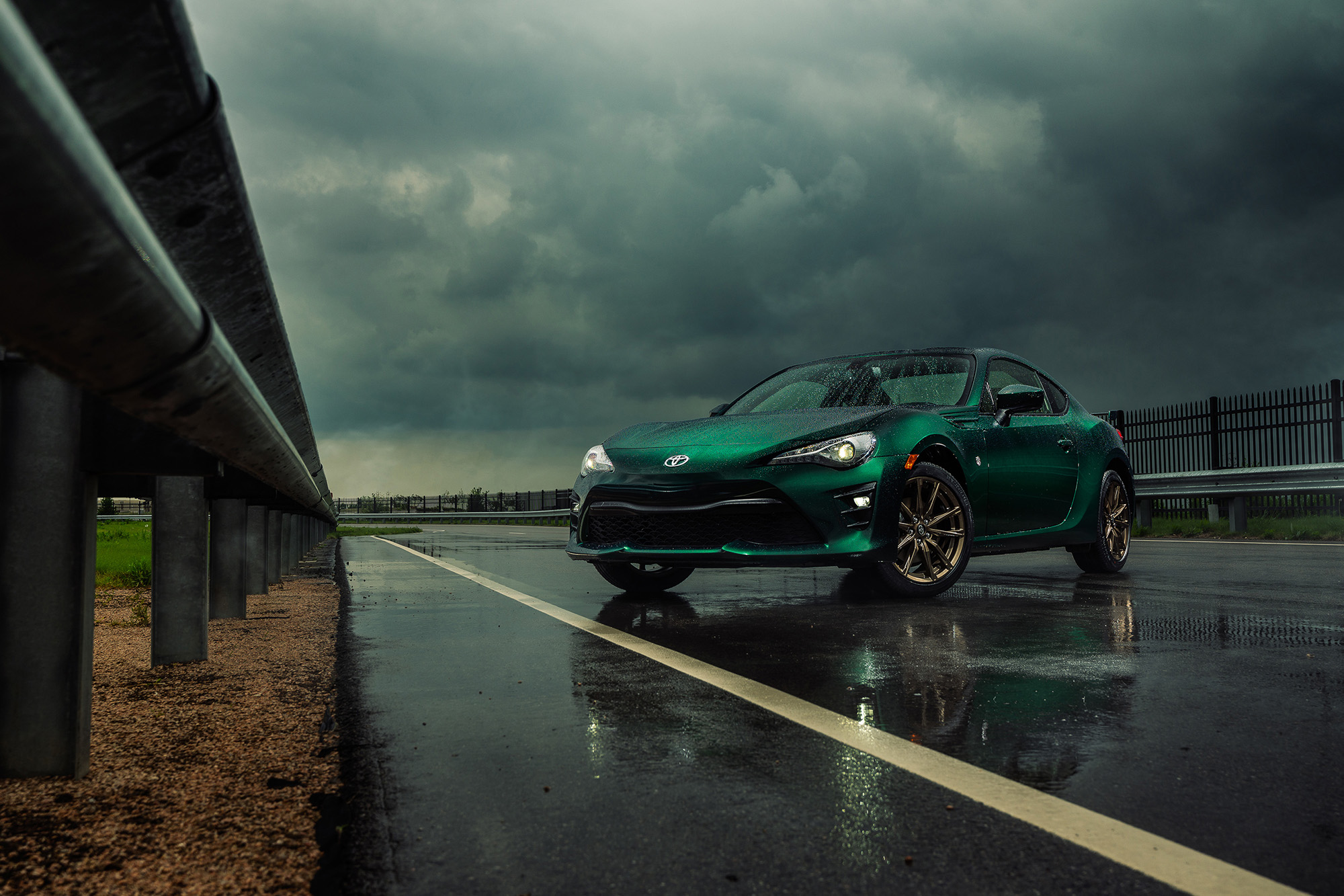 Toyota-86-Hakone-Edition-2020-green-track-exterior-outside