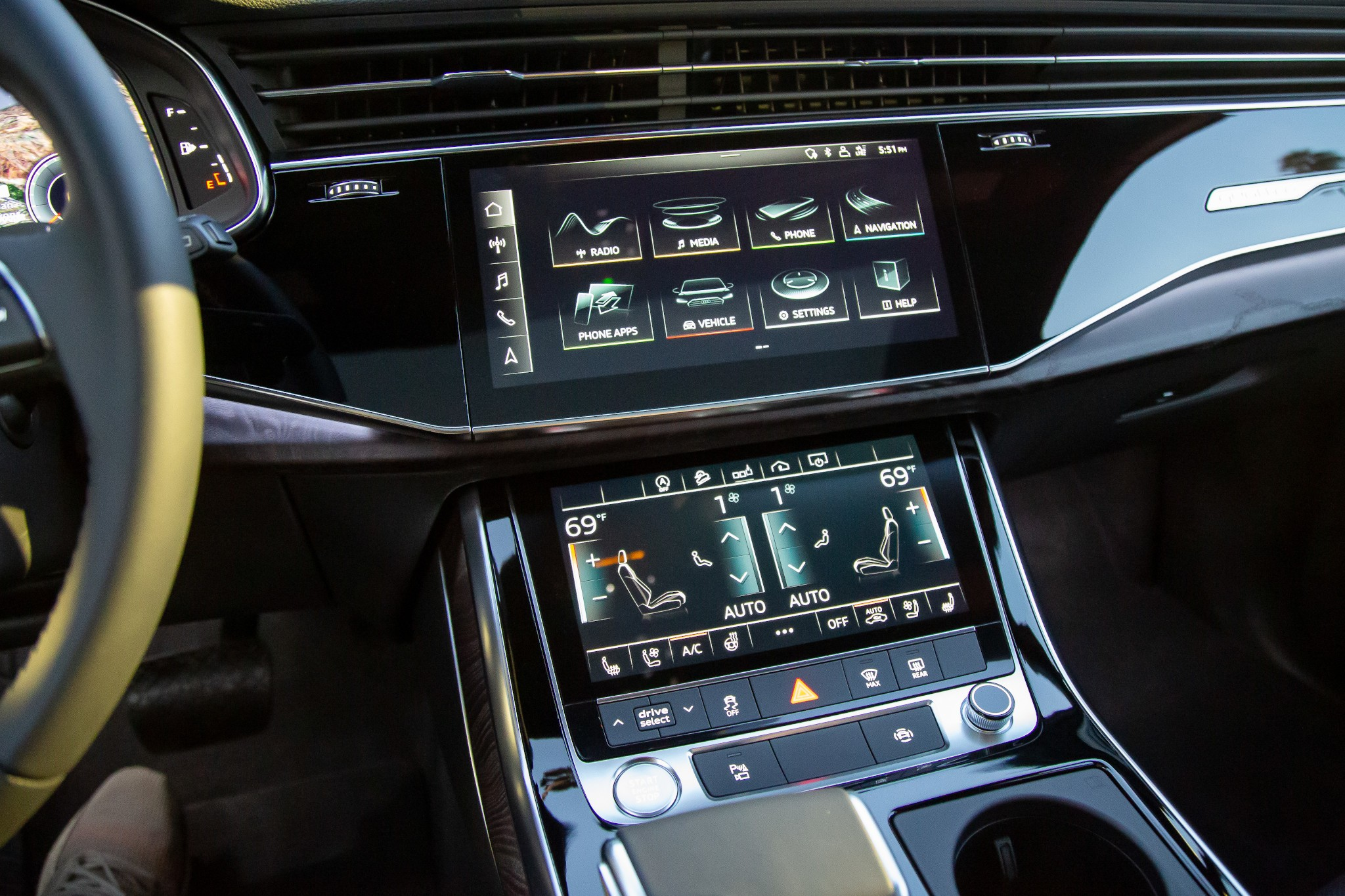 audi-q7-2020-16-center-stack--front-row--interior--seating-controls.jpg