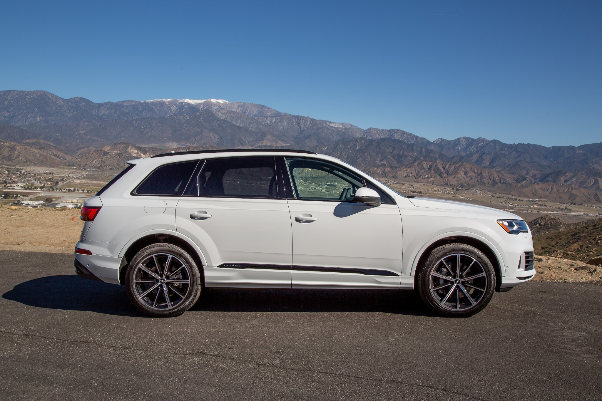 Top 5 Reviews and Videos of the Week: 2020 Audi Q7, S4 Can't Catch Corvette