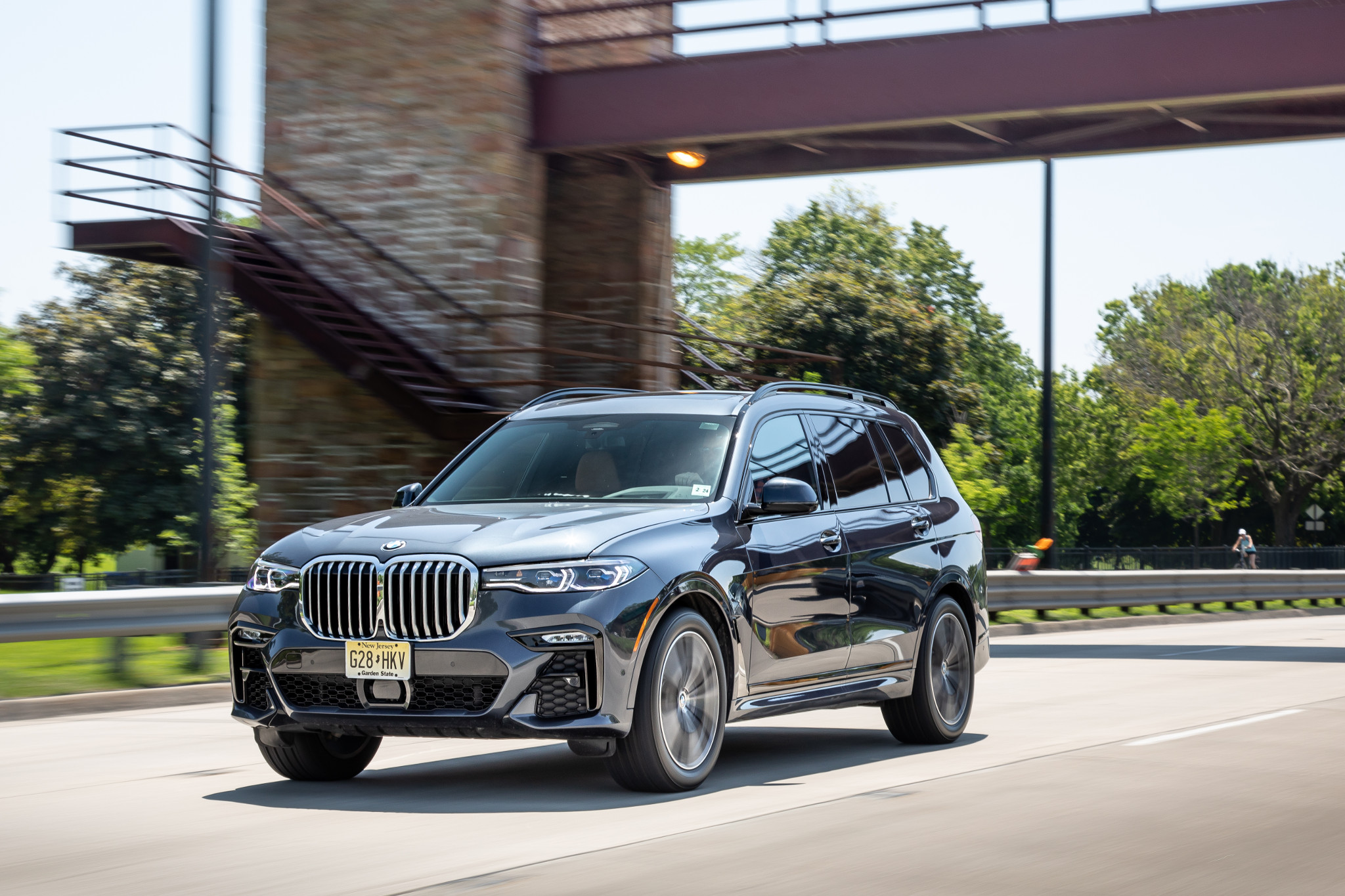 How Do Car Seats Fit in a 2020 BMW X7?