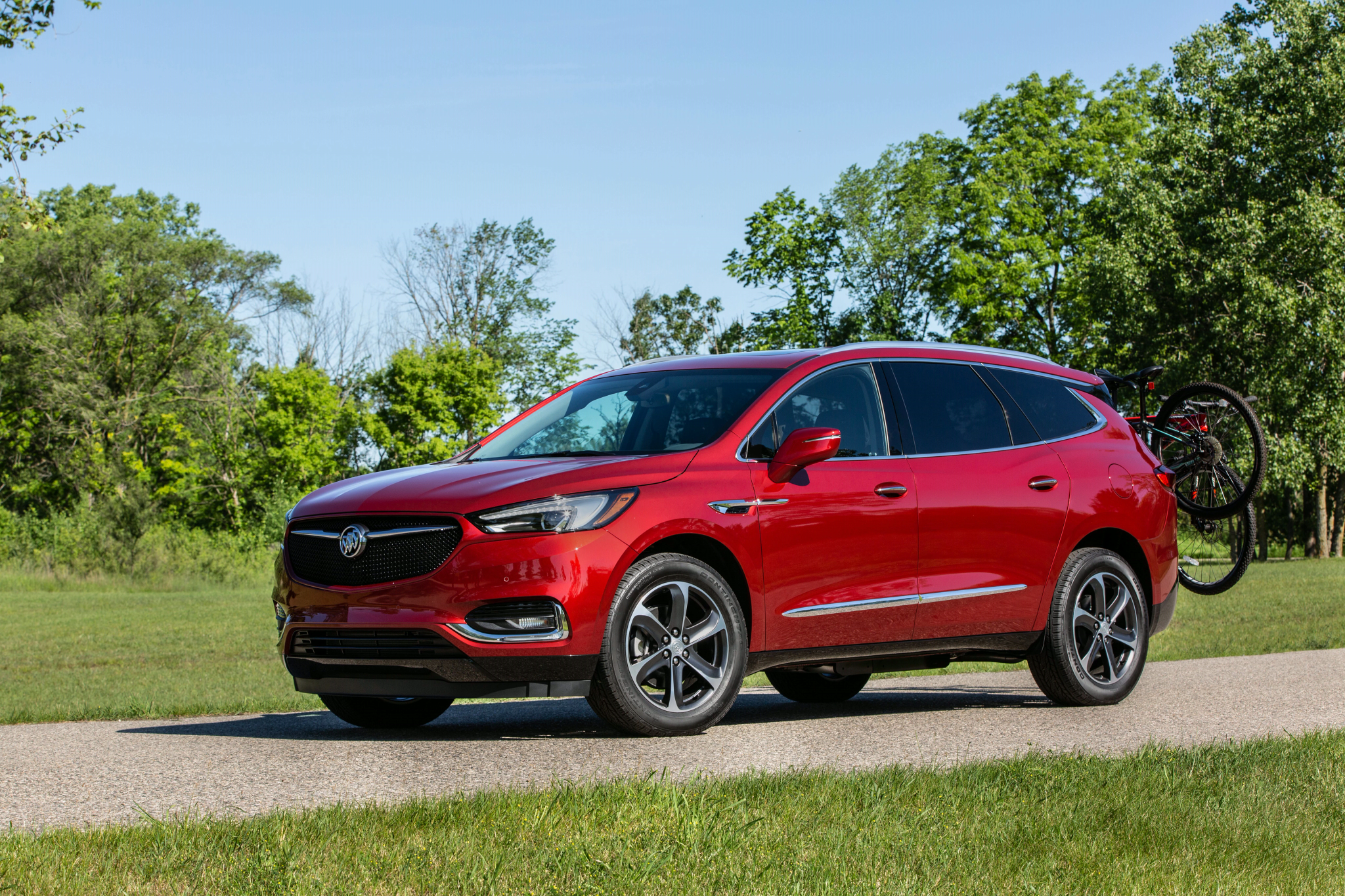 buick-enclave-2020-3-angle--exterior--front--red.jpg