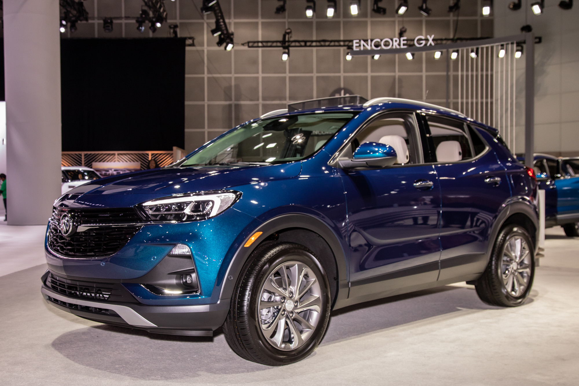 buick-encore-gx-2020-cl-01-blue-exterior-front-angle.jpg
