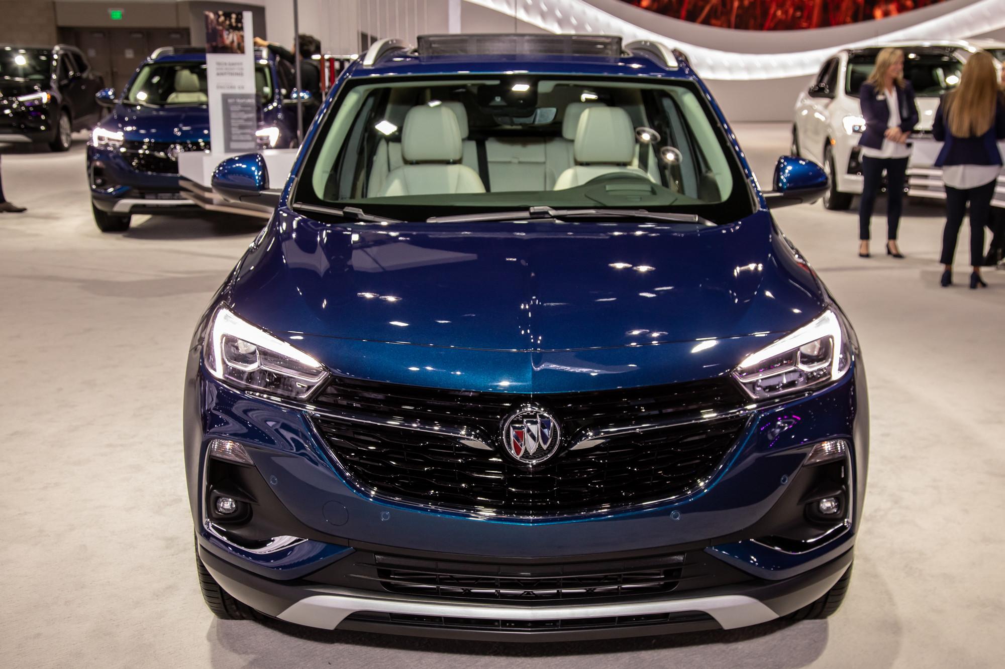 buick-encore-gx-2020-cl-02-blue-exterior-front.jpg