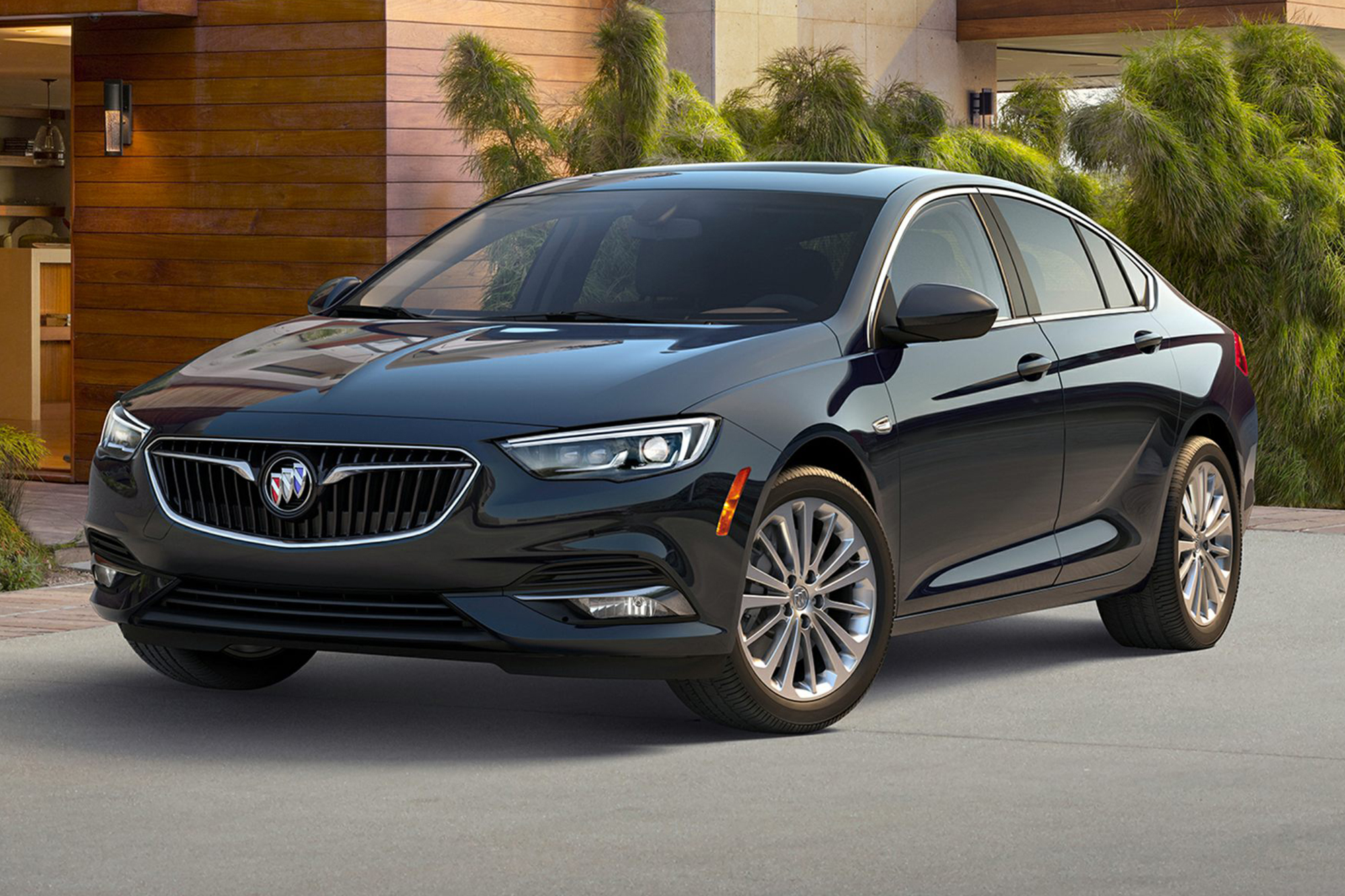buick-regal-sportback-2020-exterior-front-three-quarter-oem