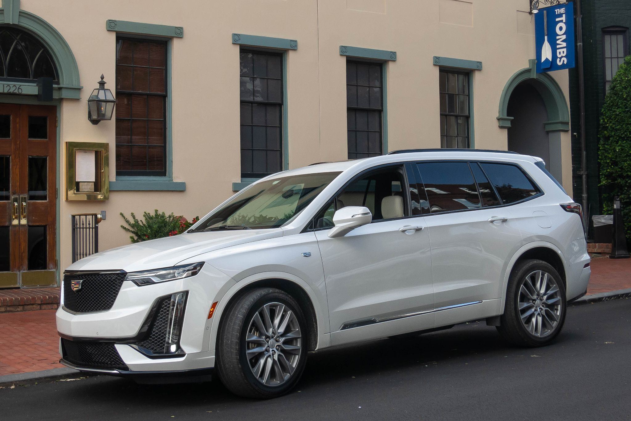 2020 Cadillac XT6 First Drive: No Alarms and No Surprises ...