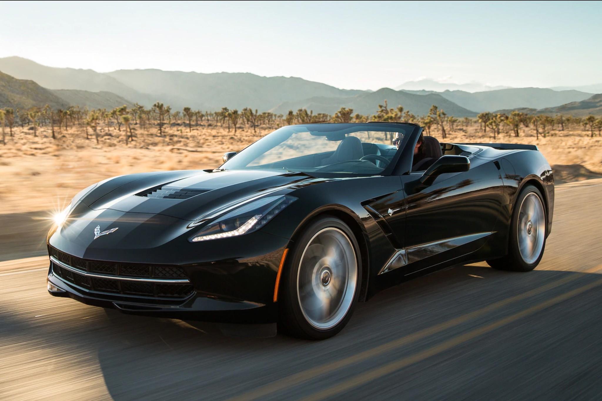chevrolet-corvette-2019-01-angle--black--convertible--dynamic--exterior--front.jpg
