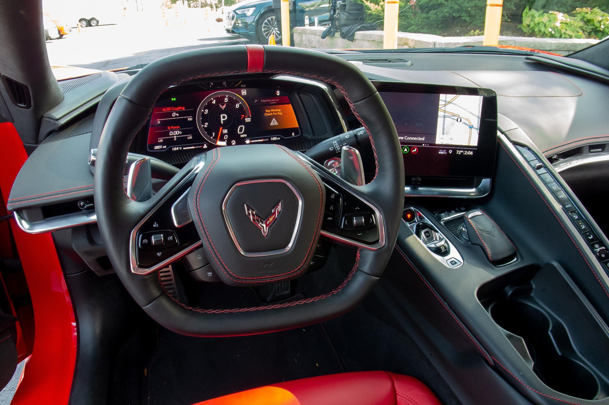 chevrolet-corvette-z51-2020-12-front-row--interior--steering-wheel.jpg