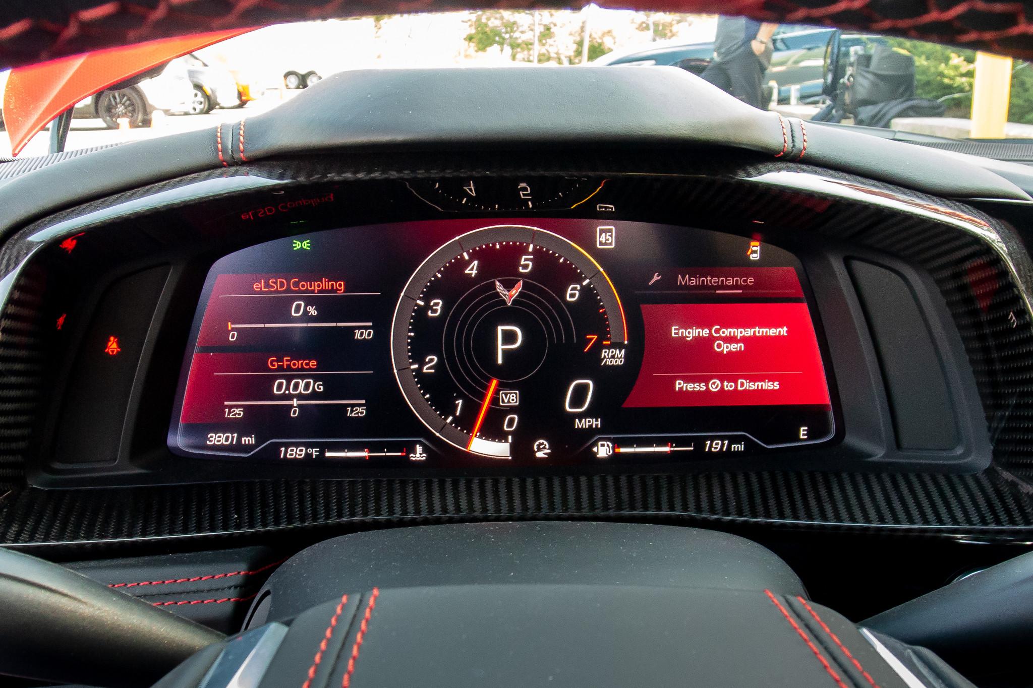 chevrolet-corvette-z51-2020-15-instrument-panel--interior.jpg