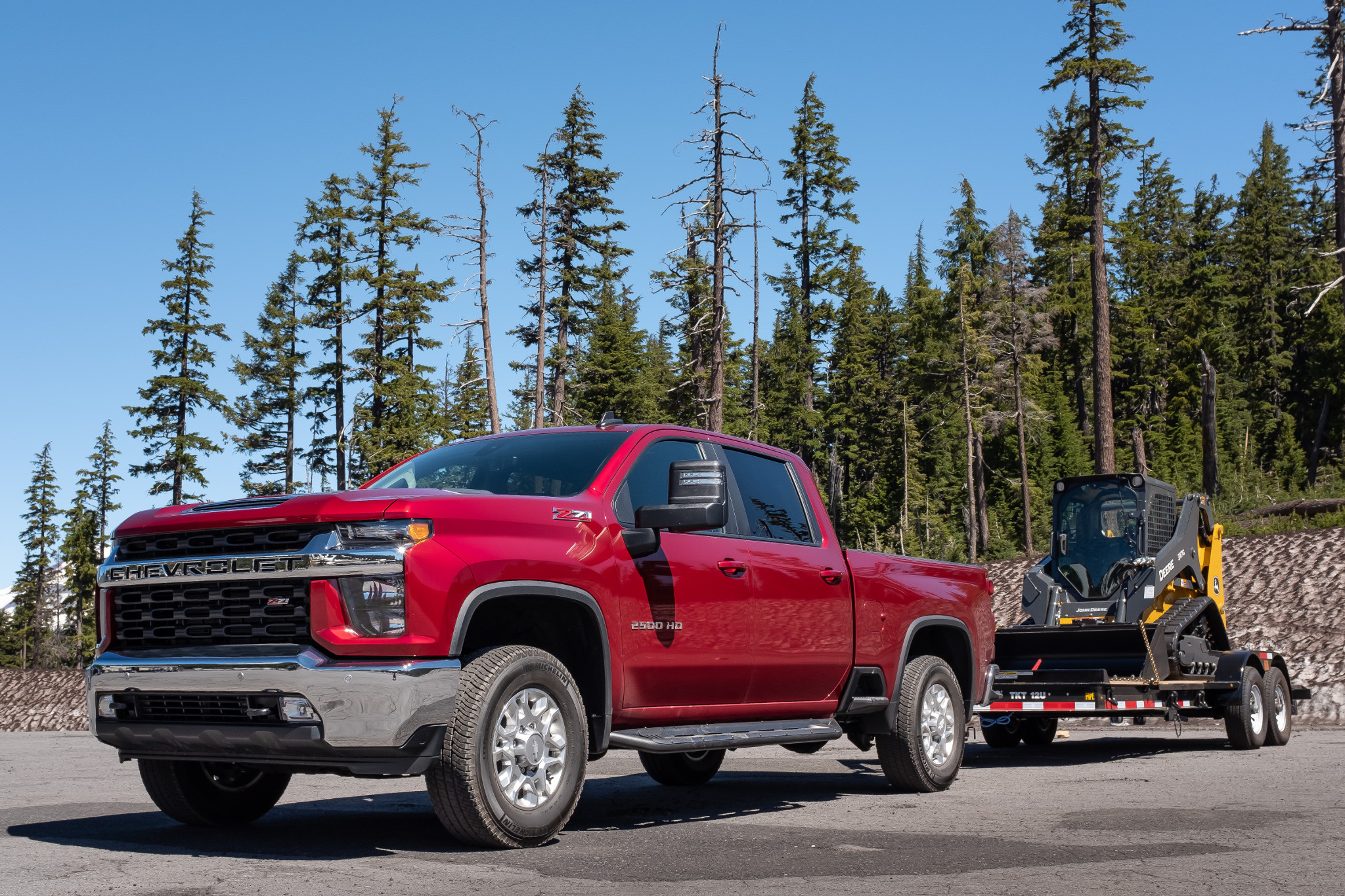 chevrolet-silverado-2500-2020-02-angle--exterior--front--red--towing.jpg