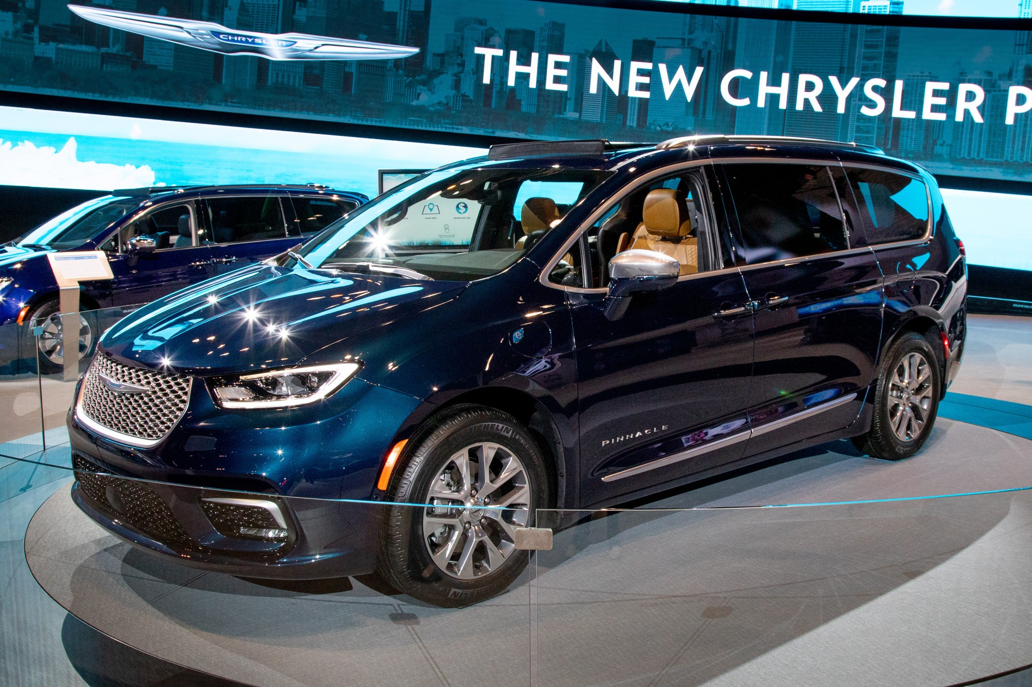 chrysler-pacifica-2021-1-angle--blue--exterior--front.jpg