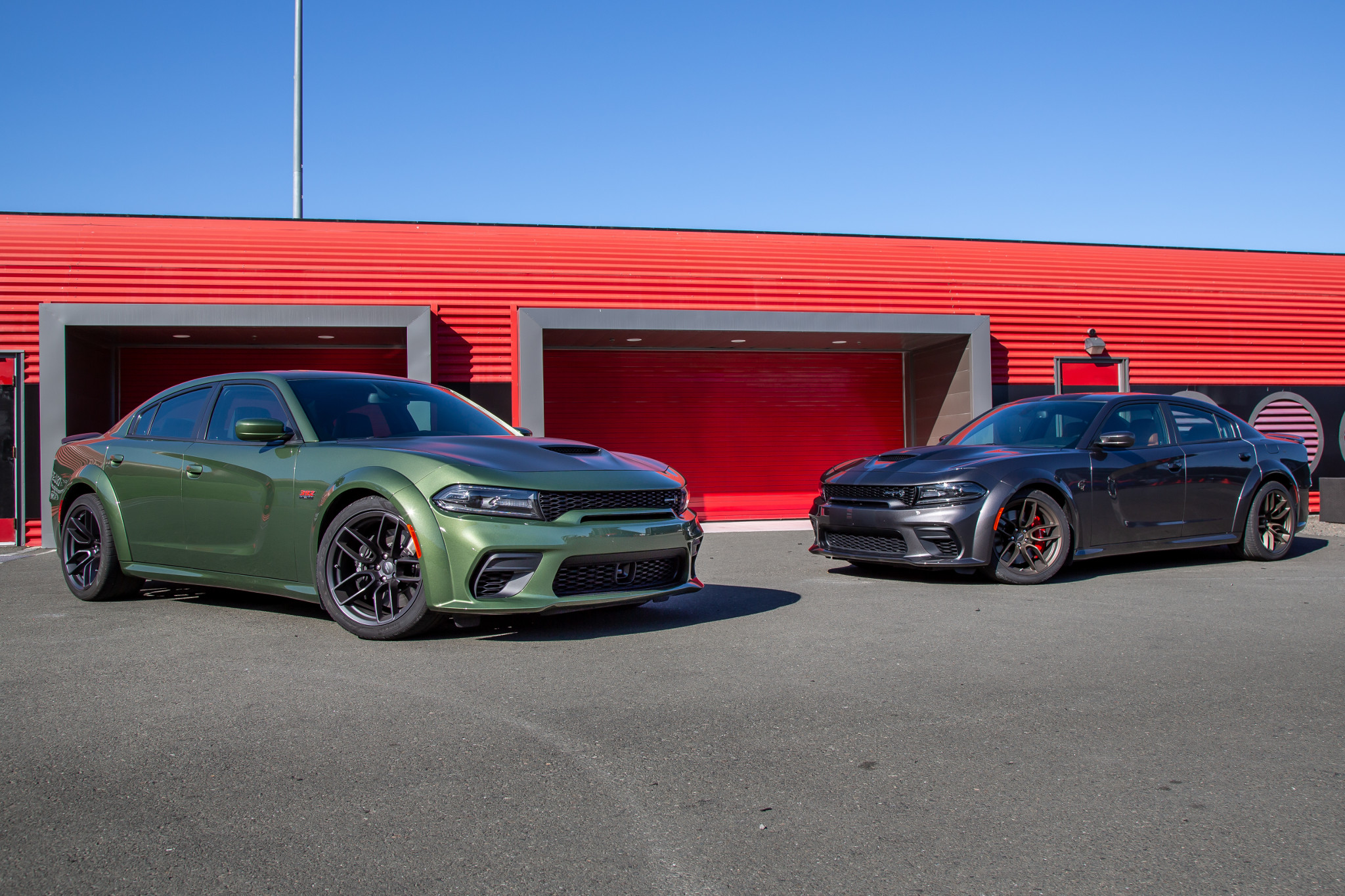 2020 Dodge Charger Scat Pack and Hellcat Widebody Review: Which to Buy?