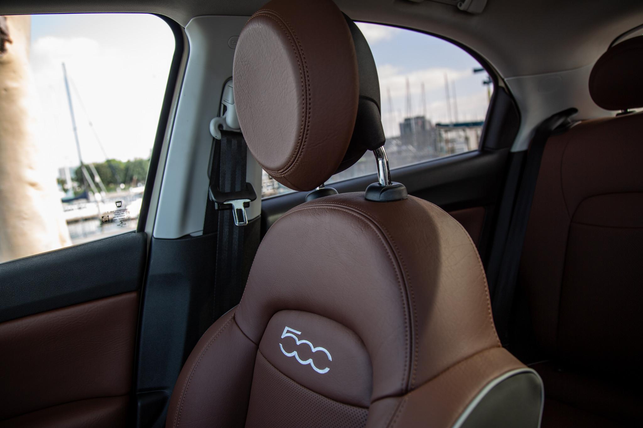 fiat-500x-2020-19-front-row--interior--seat.jpg