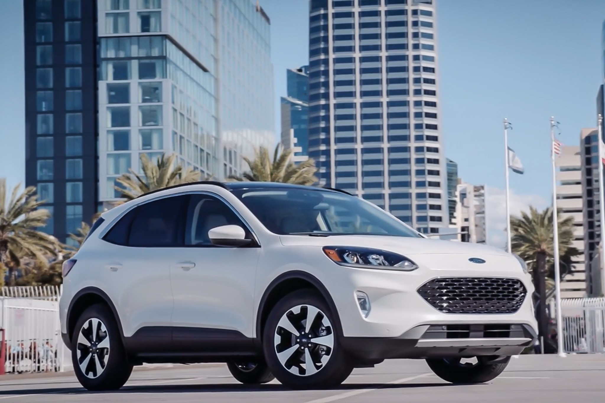 2020 Ford Escape Hybrid Review: Reaching Fuel Potential?